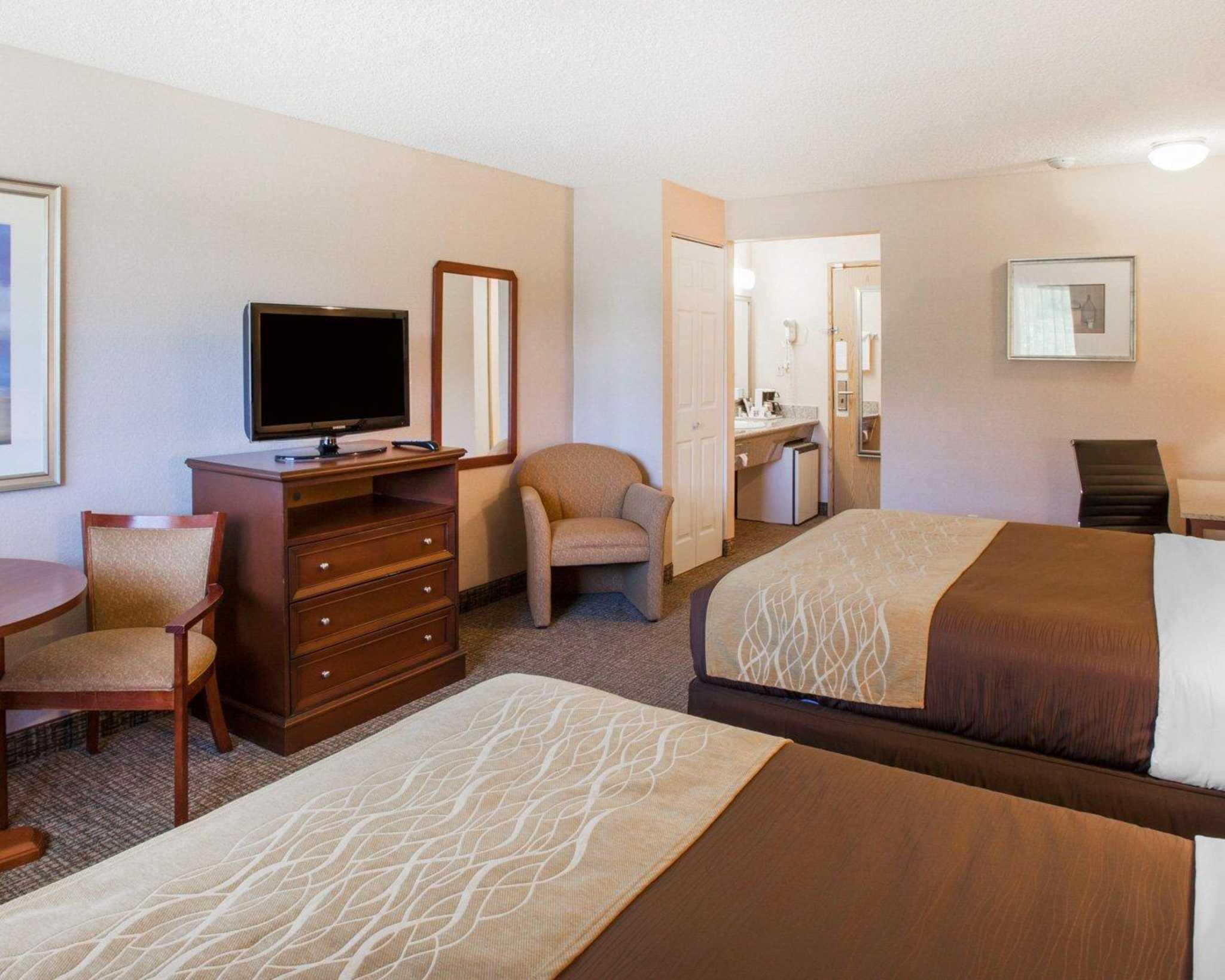 Comfort Inn image 4