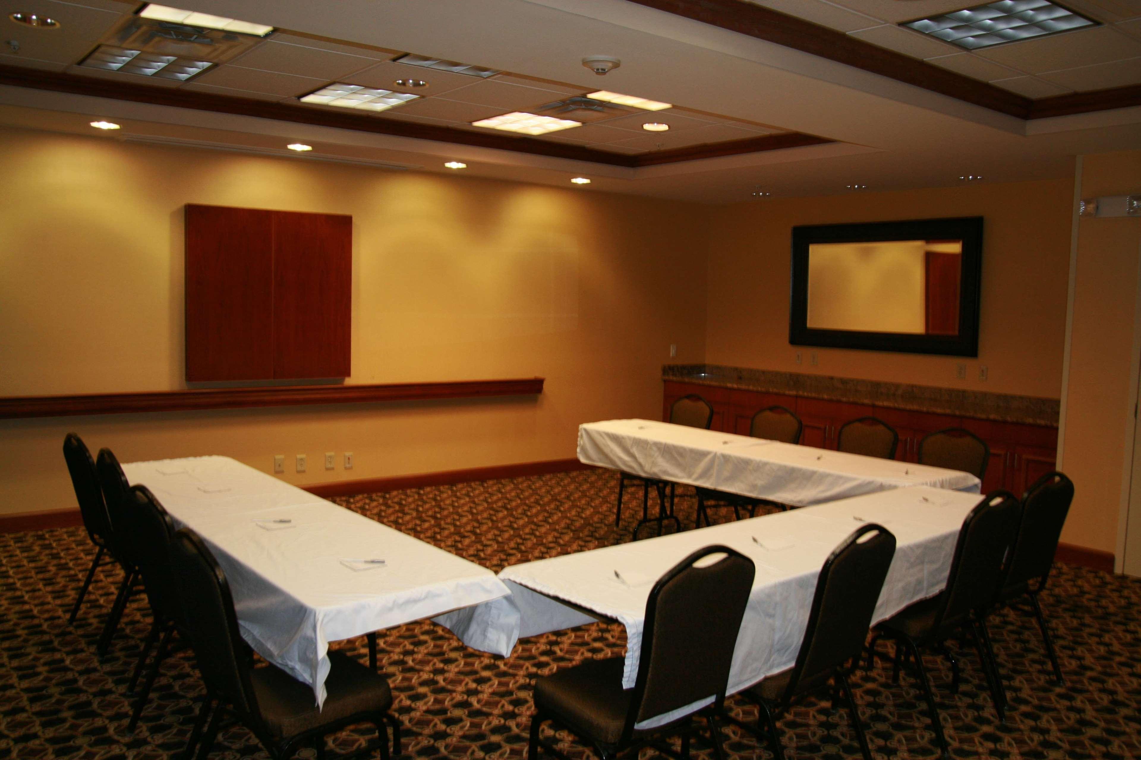 Hampton Inn & Suites Paducah image 36
