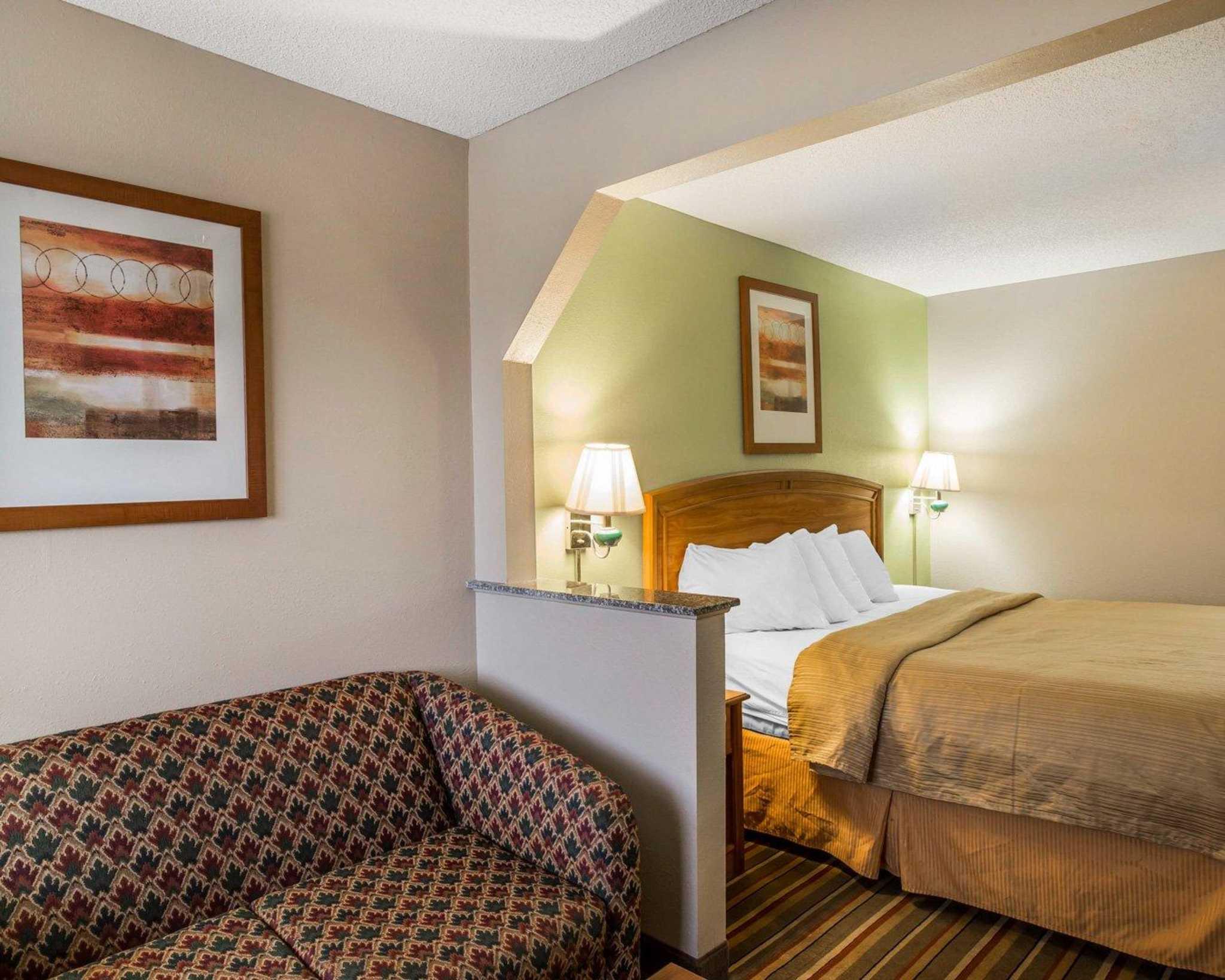 Quality Inn & Suites Dublin image 4