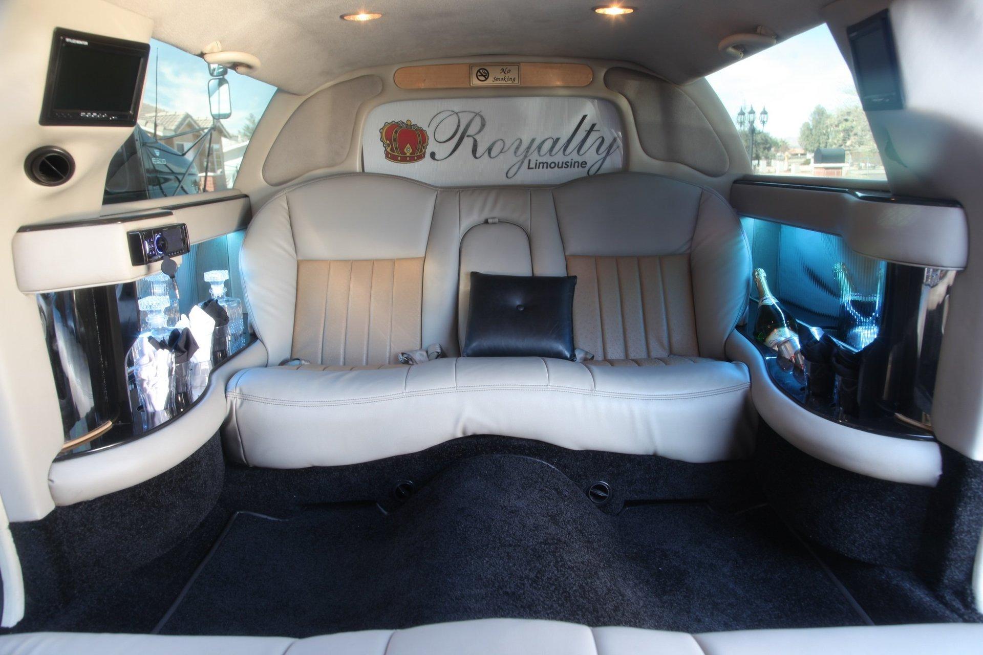 Royalty Limousine Services Inc image 6