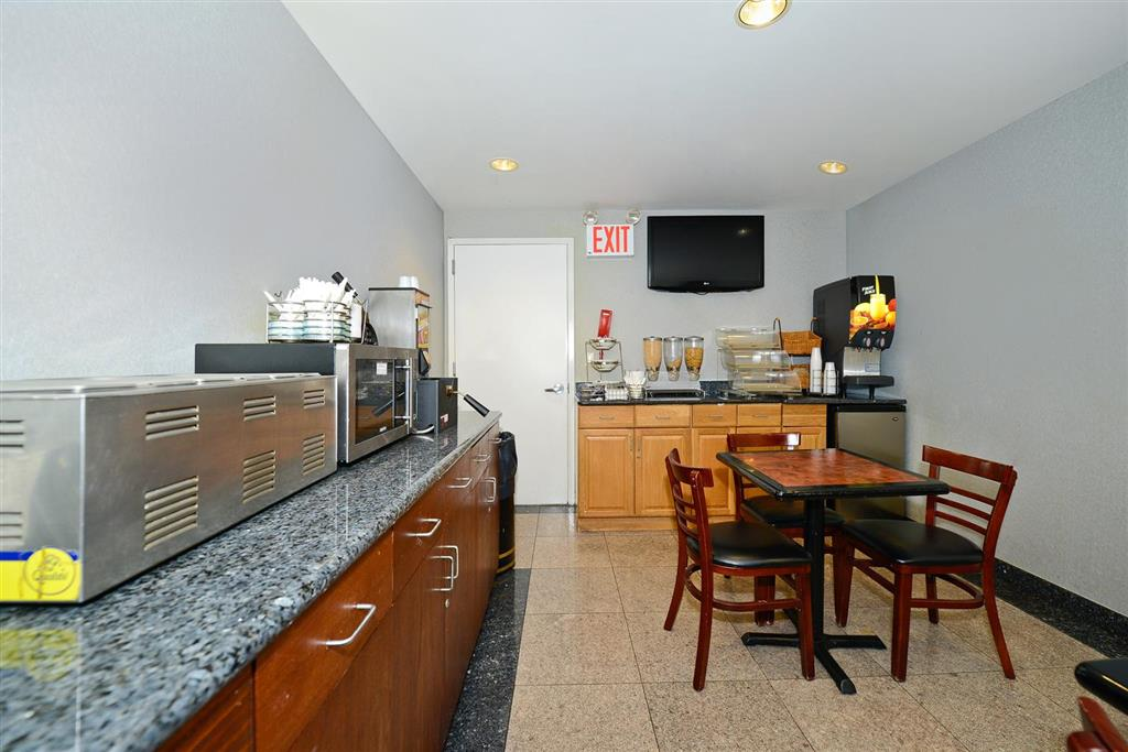 Lexington Inn - Brooklyn NY image 1