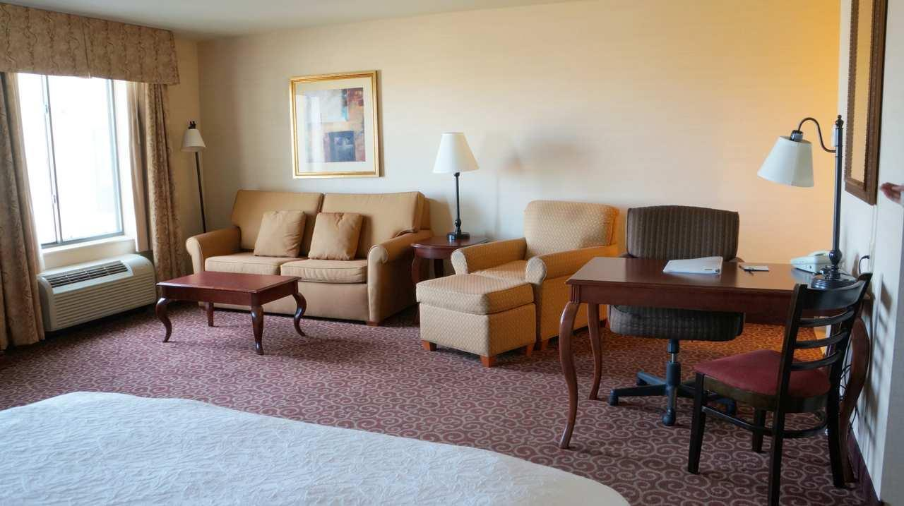 Hampton Inn & Suites Kingman image 25