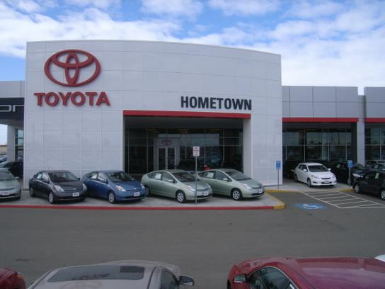 hometown toyota in ontario or 541 233 4336