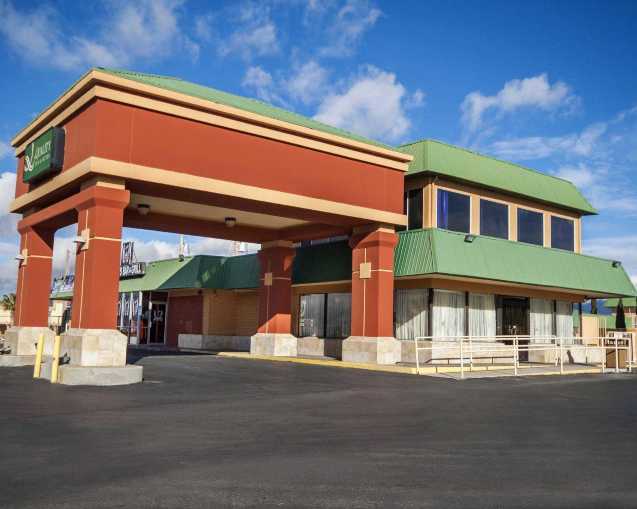 Quality Inn & Suites Airport image 2