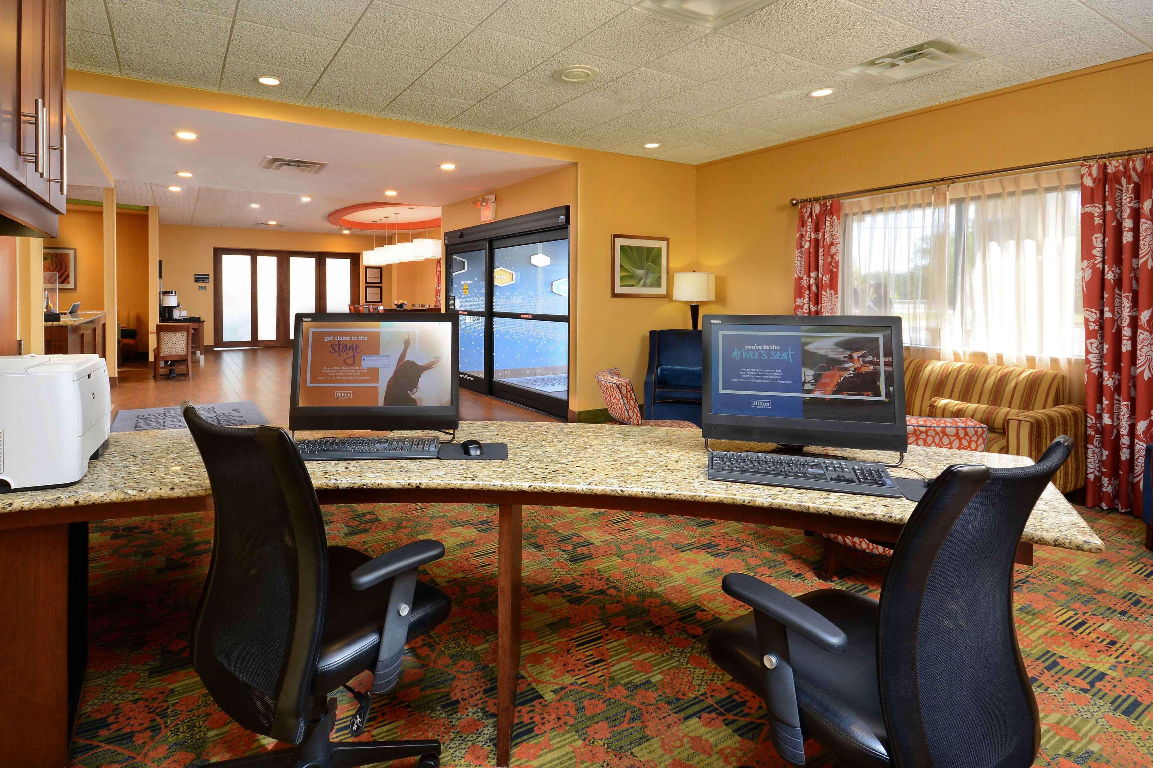 Hampton Inn Fayetteville Fort Bragg image 42