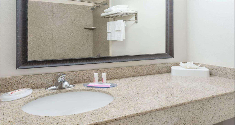SureStay Plus Hotel by Best Western Lubbock Medical Center image 12
