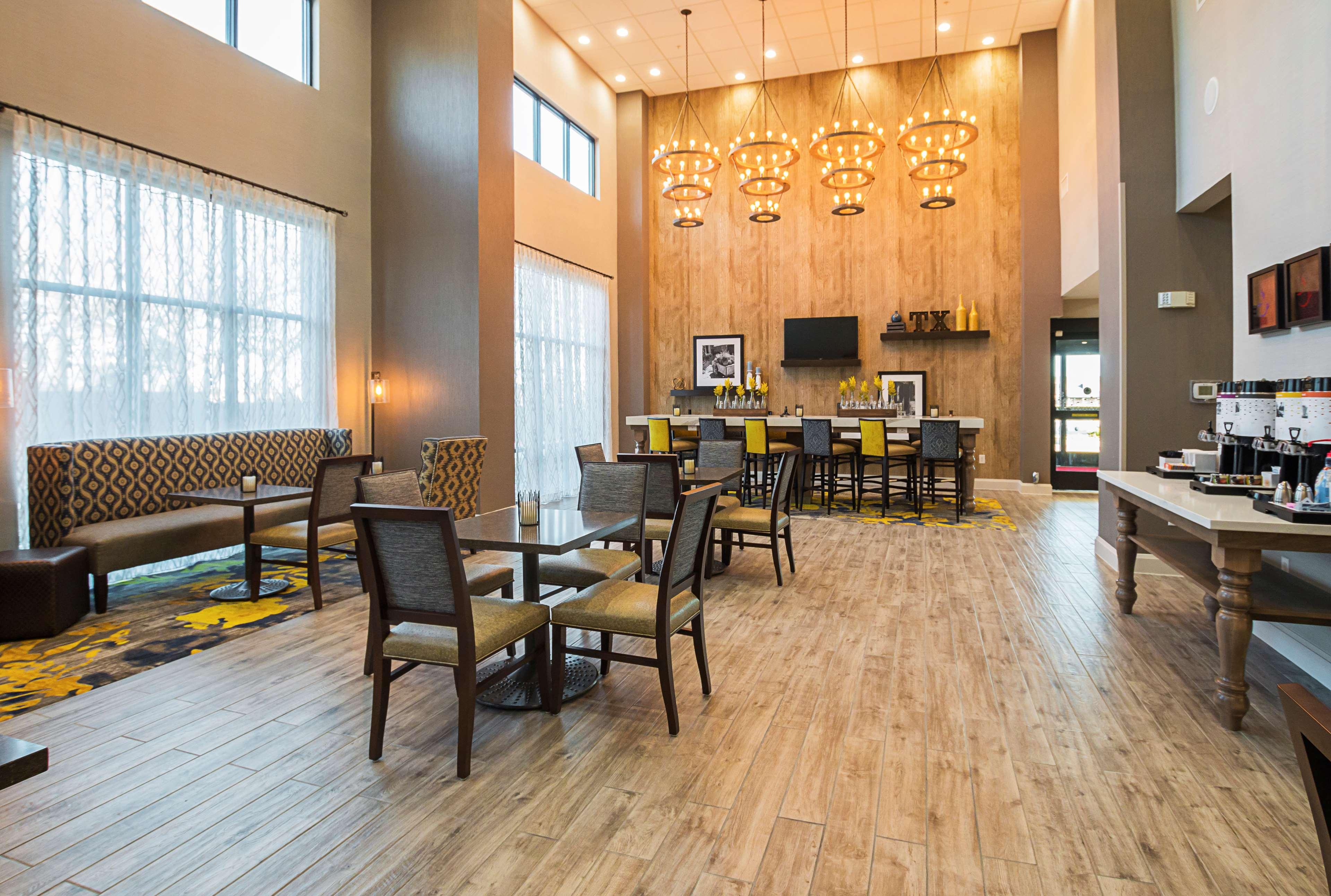 Hampton Inn & Suites Colleyville DFW West image 17