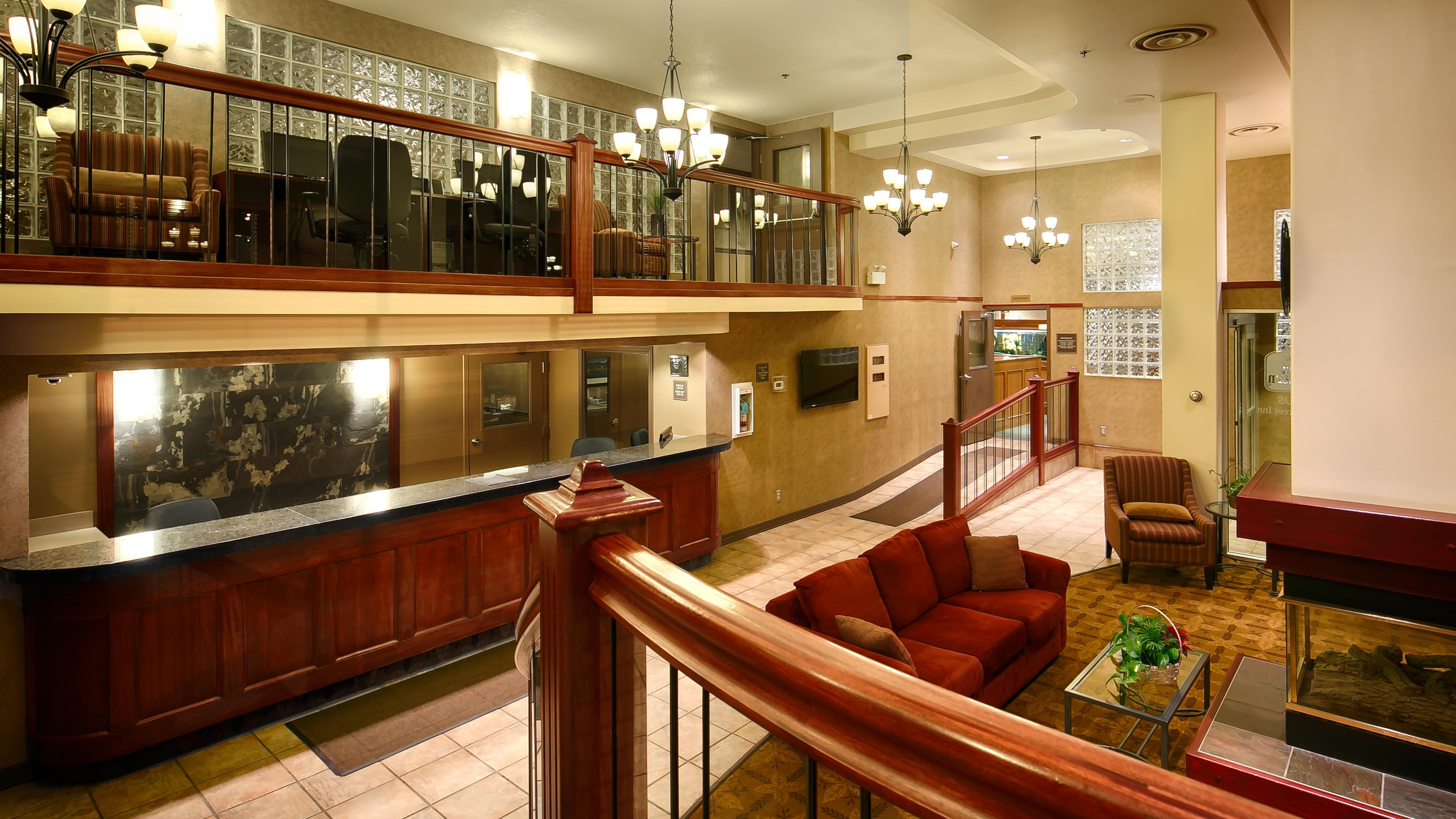 Best Western Plus Baker Street Inn & Convention Centre in Nelson: Lobby