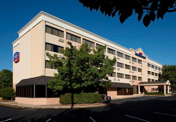Fairfield Inn & Suites by Marriott Parsippany image 0