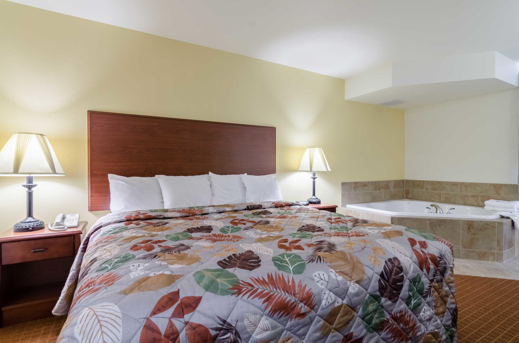 Rodeway Inn & Suites image 20
