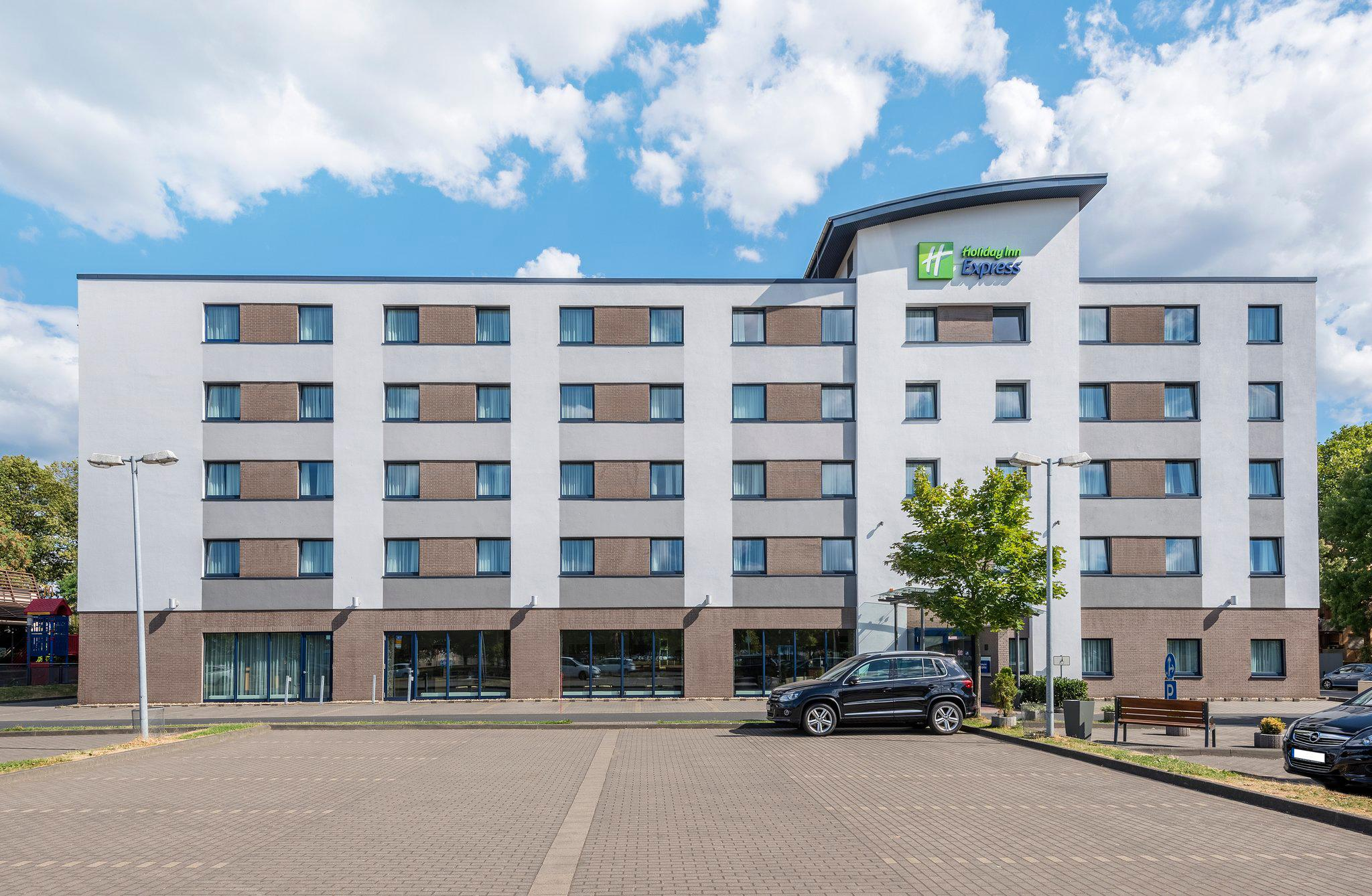 Holiday Inn Express Cologne - Muelheim, Tiefentalstrasse 72 in Cologne