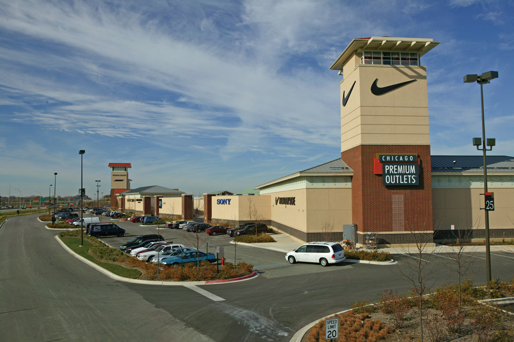 Chicago Premium Outlets image 19