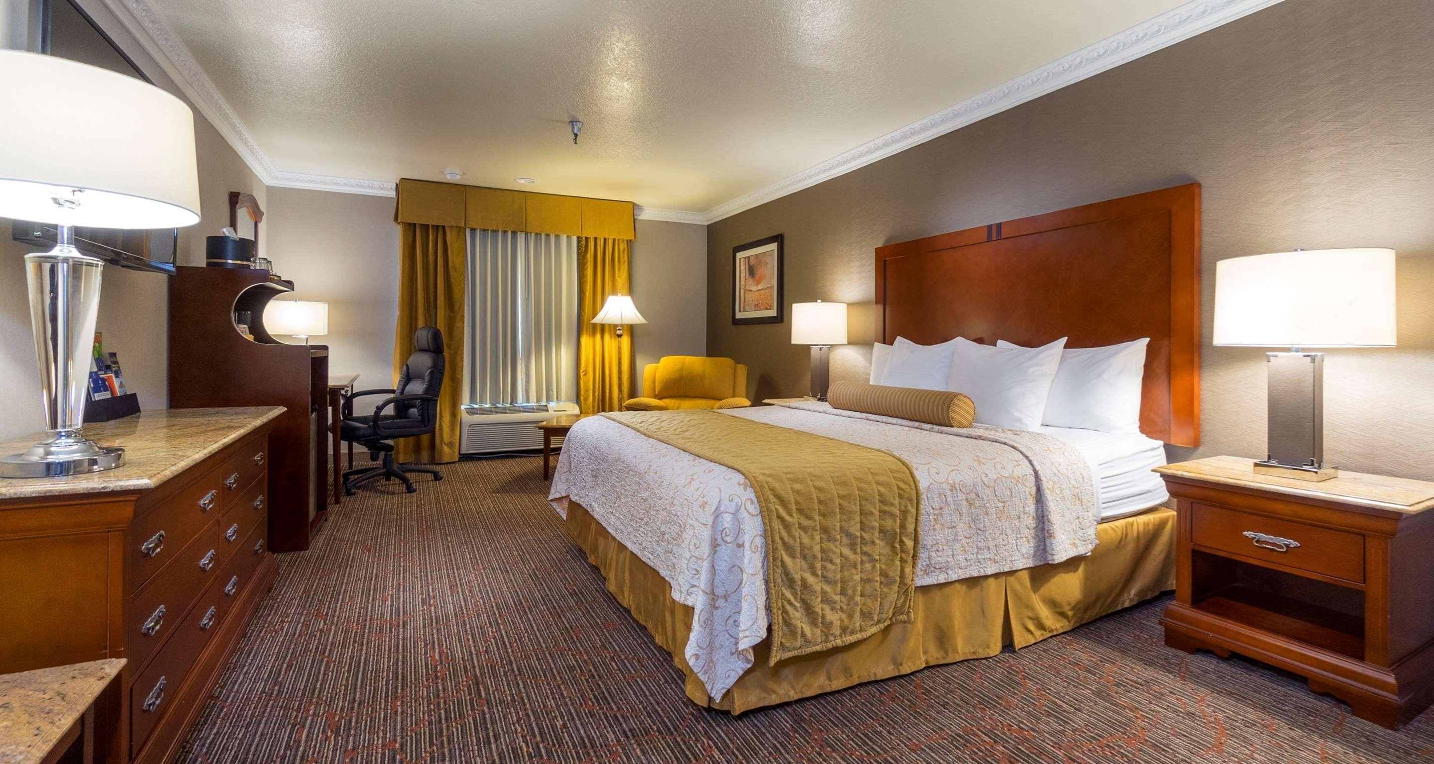 Best Western Plus Newport Mesa Inn image 37