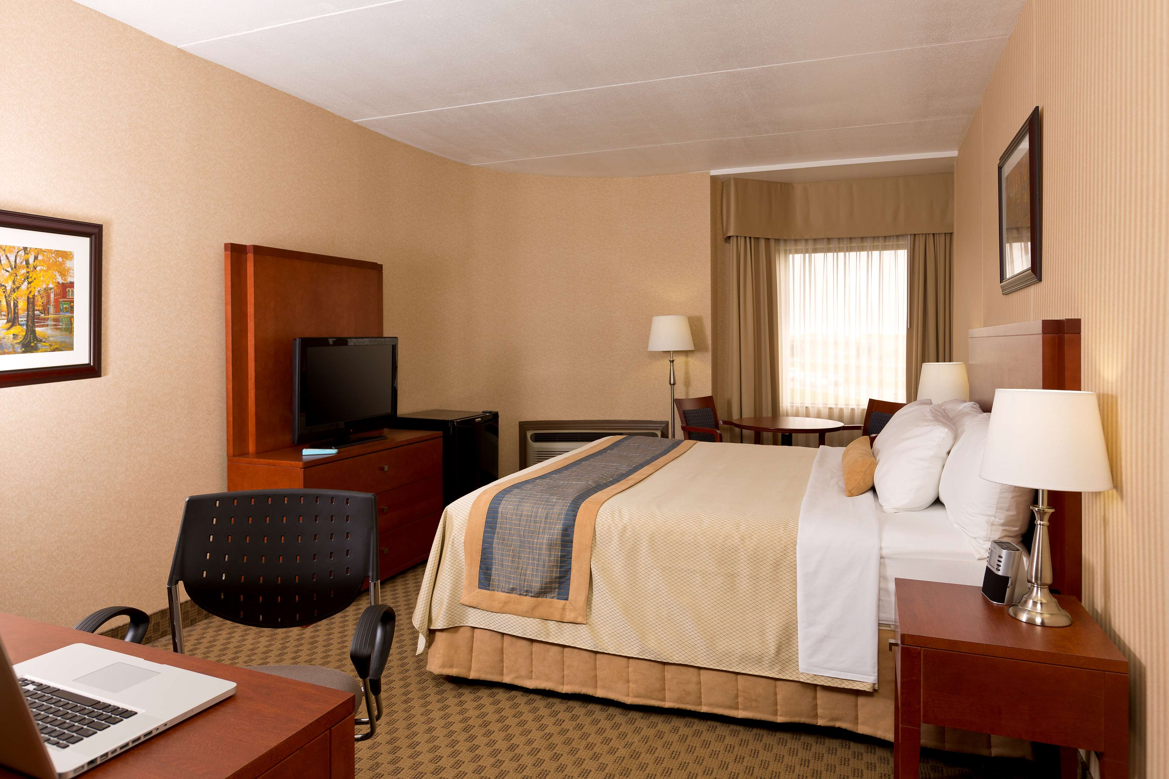 Best Western Laval-Montreal à Laval: Queen Bed Guest Room