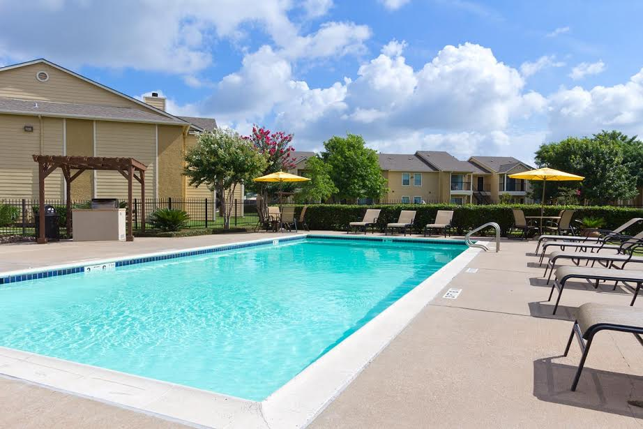 College view apartments coupons near me in la porte 8coupons for Jobs near la porte in