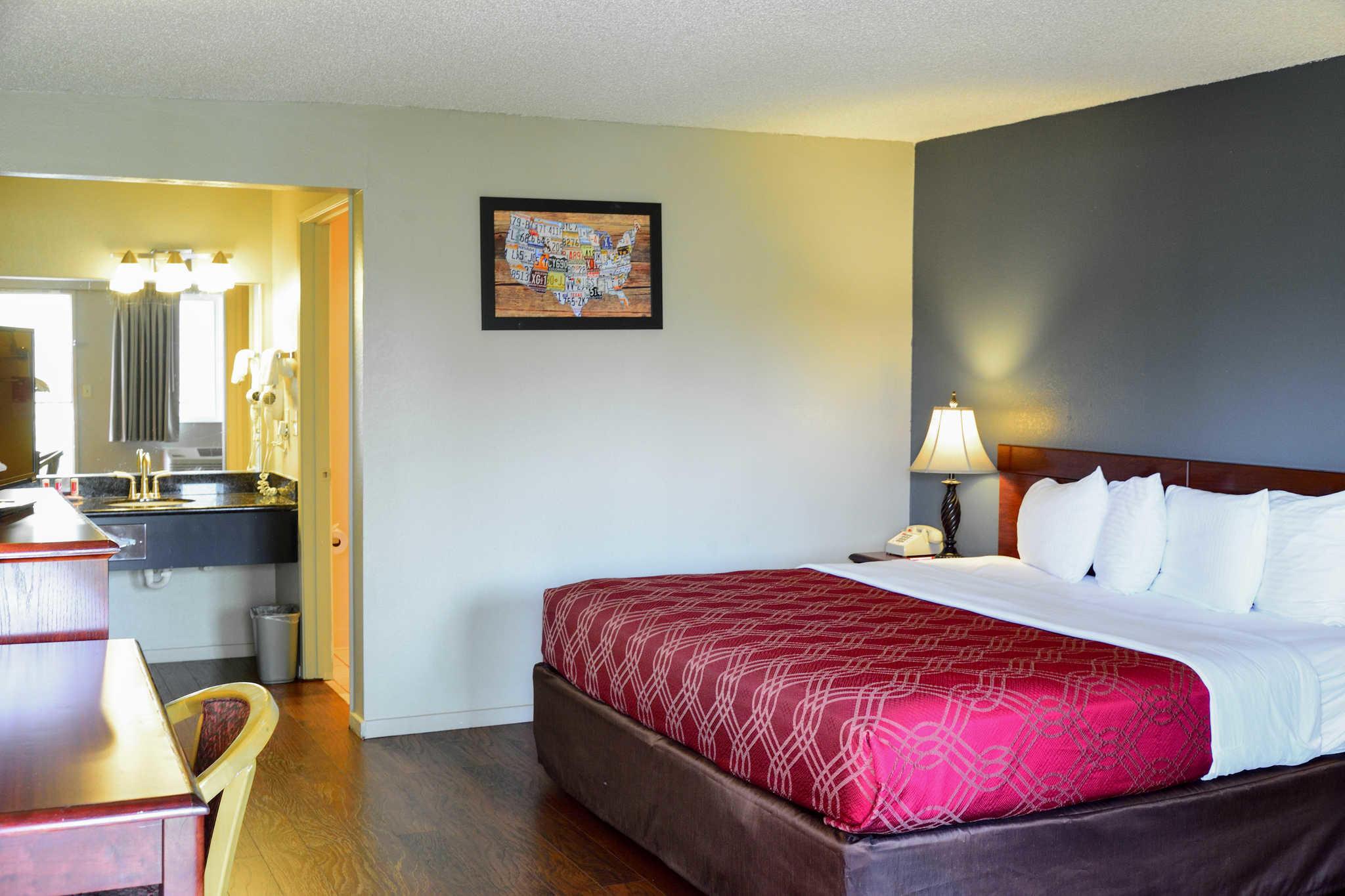 Econo Lodge Renton-Bellevue image 11