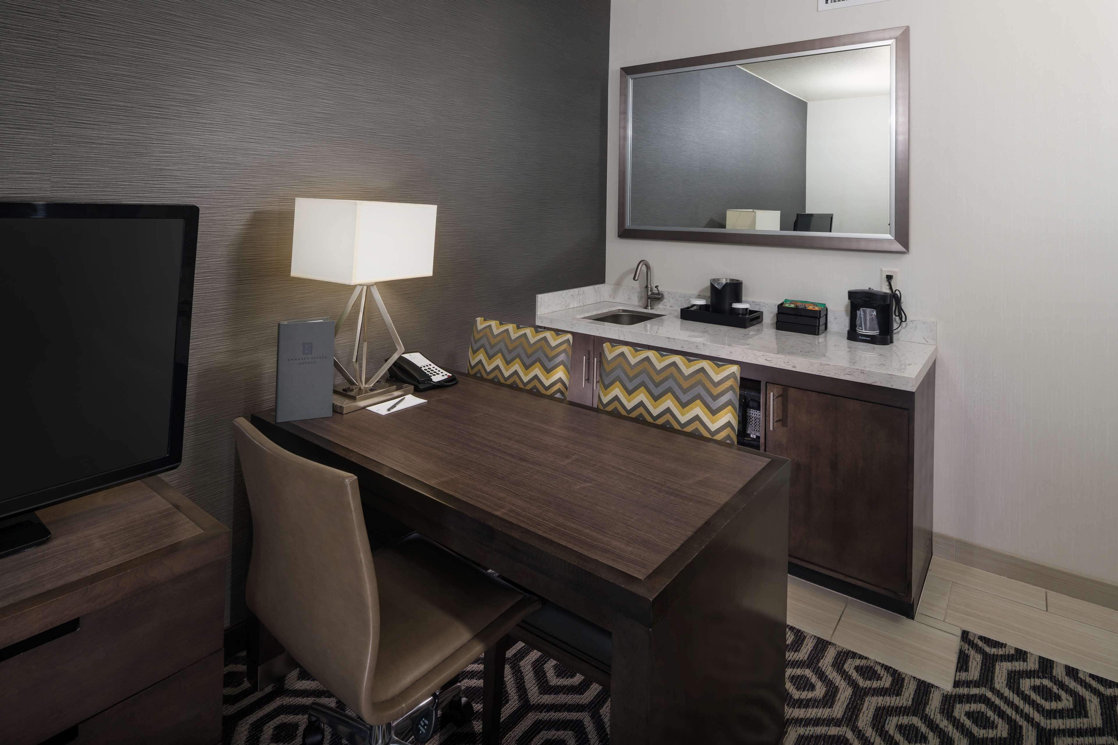 Embassy Suites by Hilton Portland Hillsboro, Oregon image 19