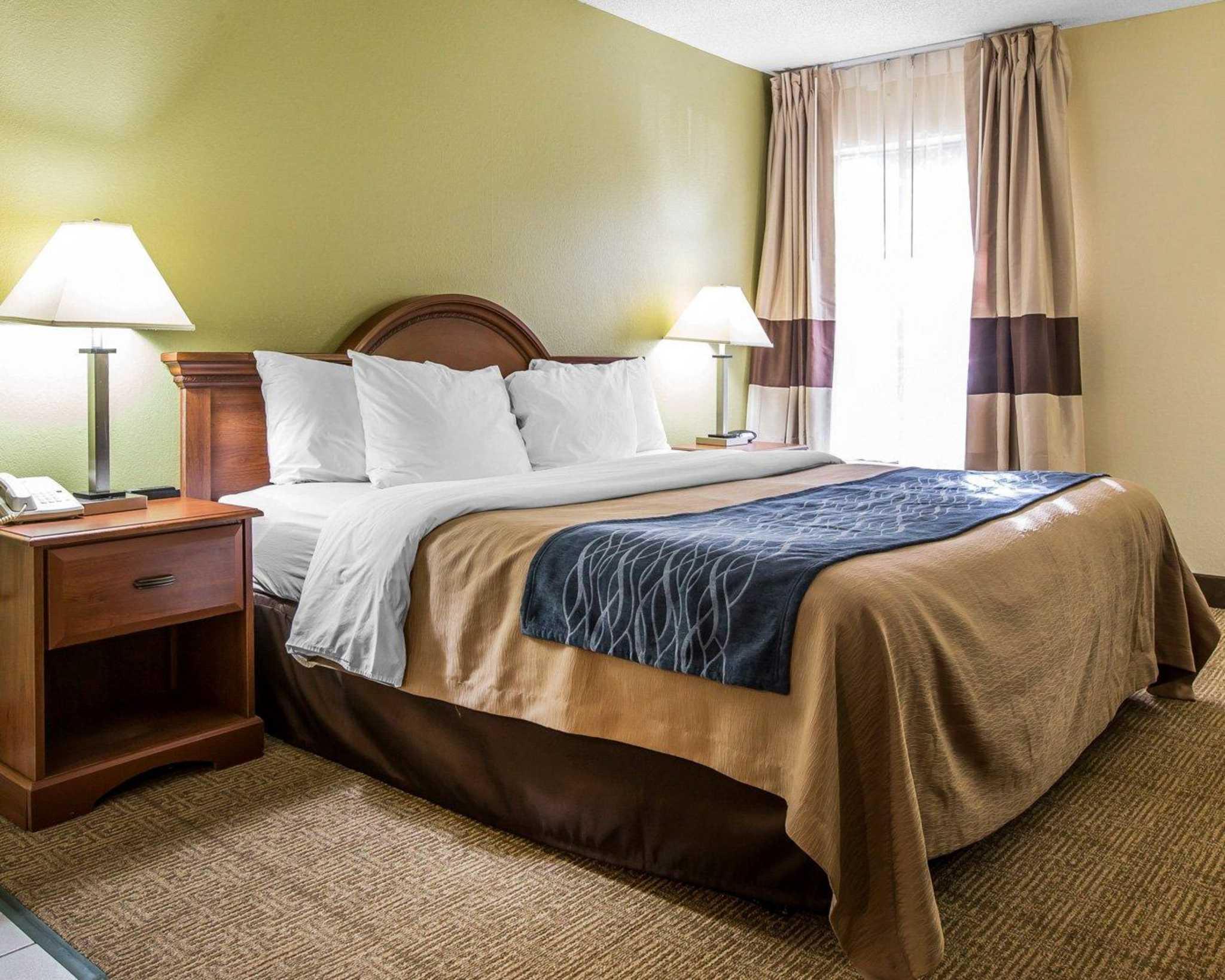 Quality Inn Darien-North Brunswick image 5