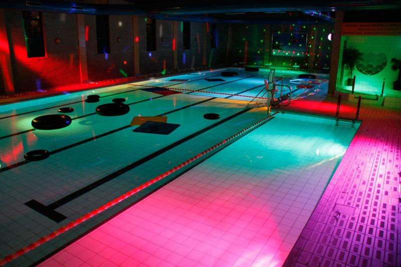 Zib zwemcentrum best zwembaden instellingen best for Zwembad spelletjes