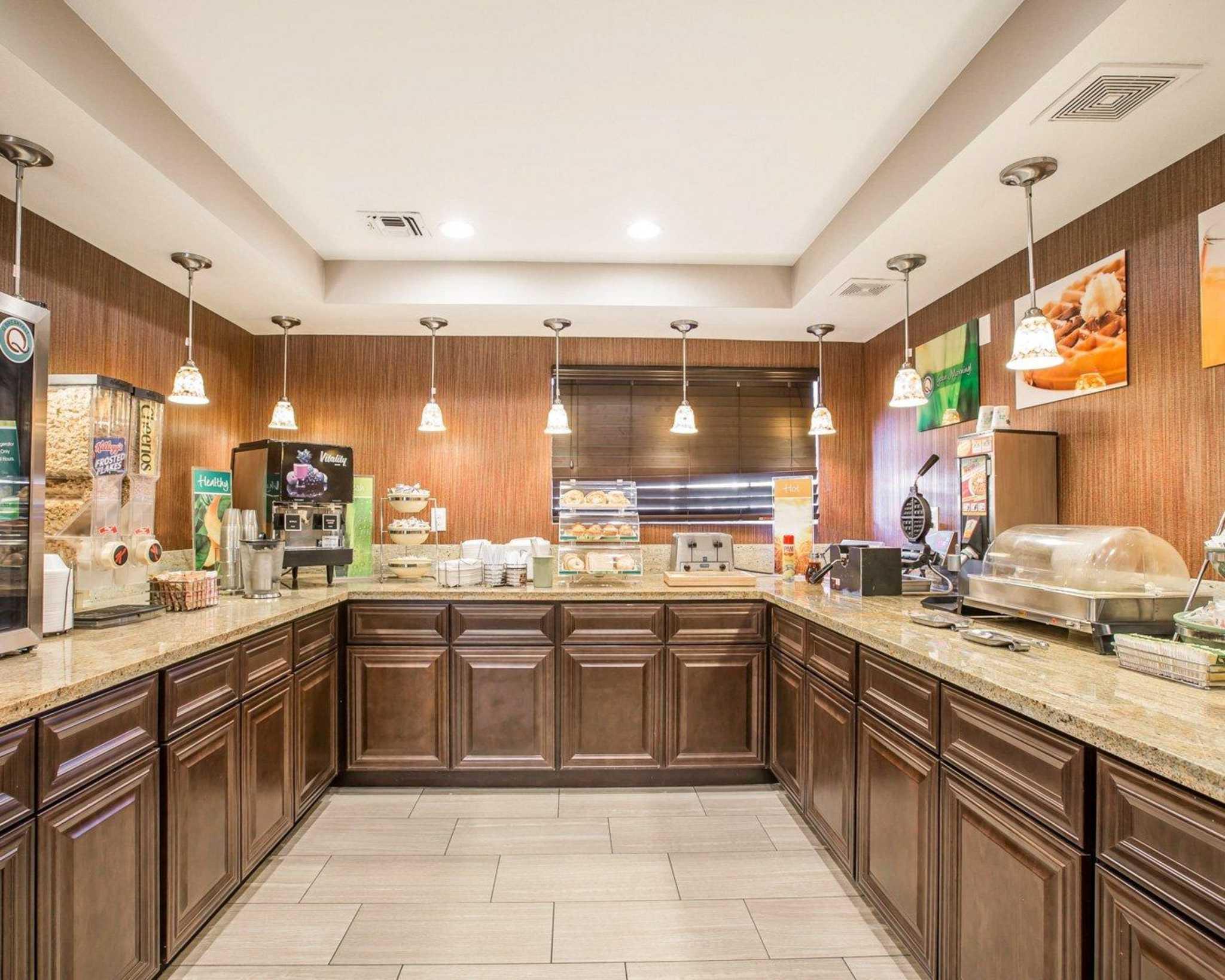 Quality Inn & Suites Woodland - Sacramento Airport image 19