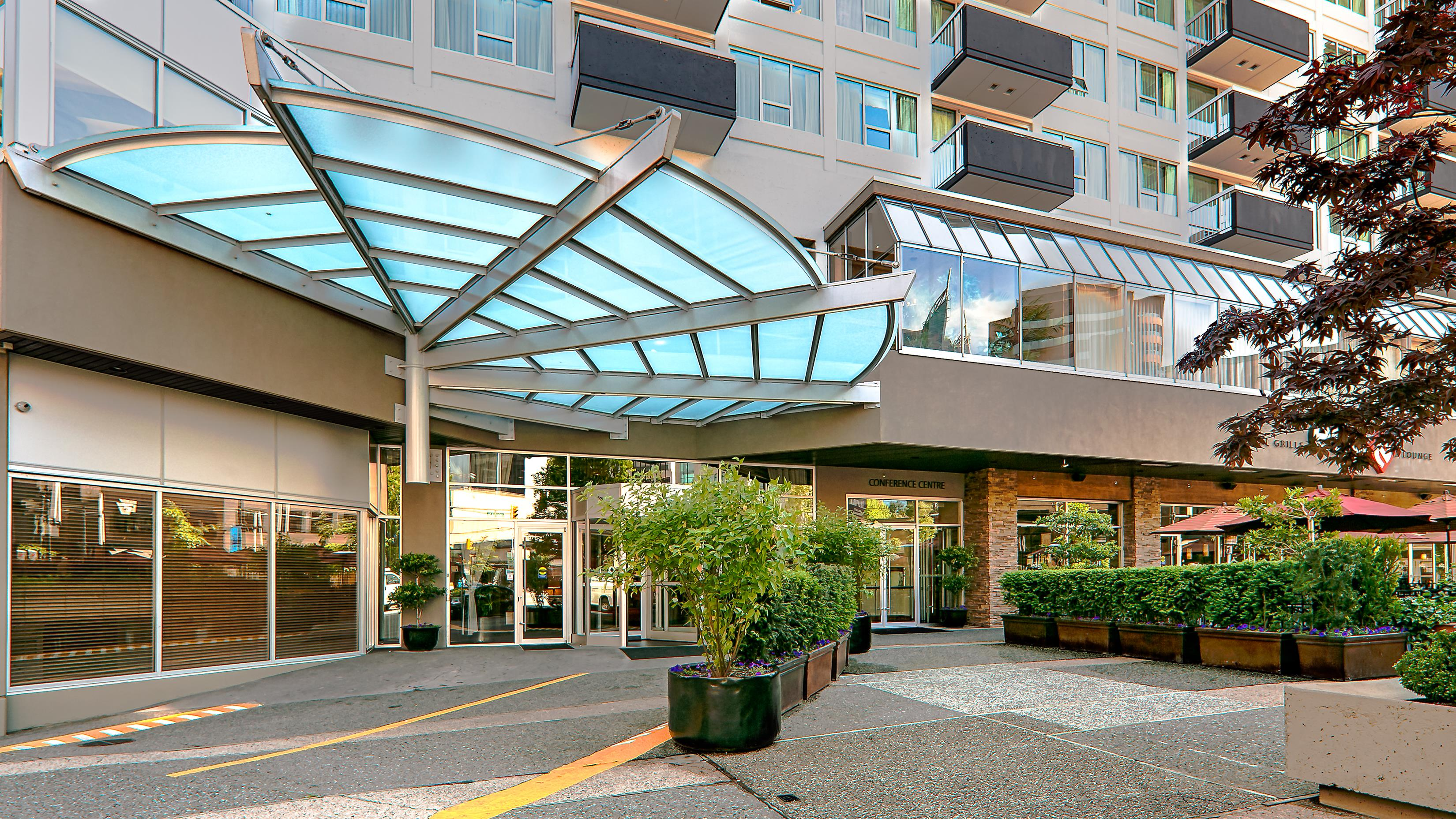 Best Western Plus Chateau Granville Hotel & Suites & Conference Ctr. in Vancouver: Hotel Exterior