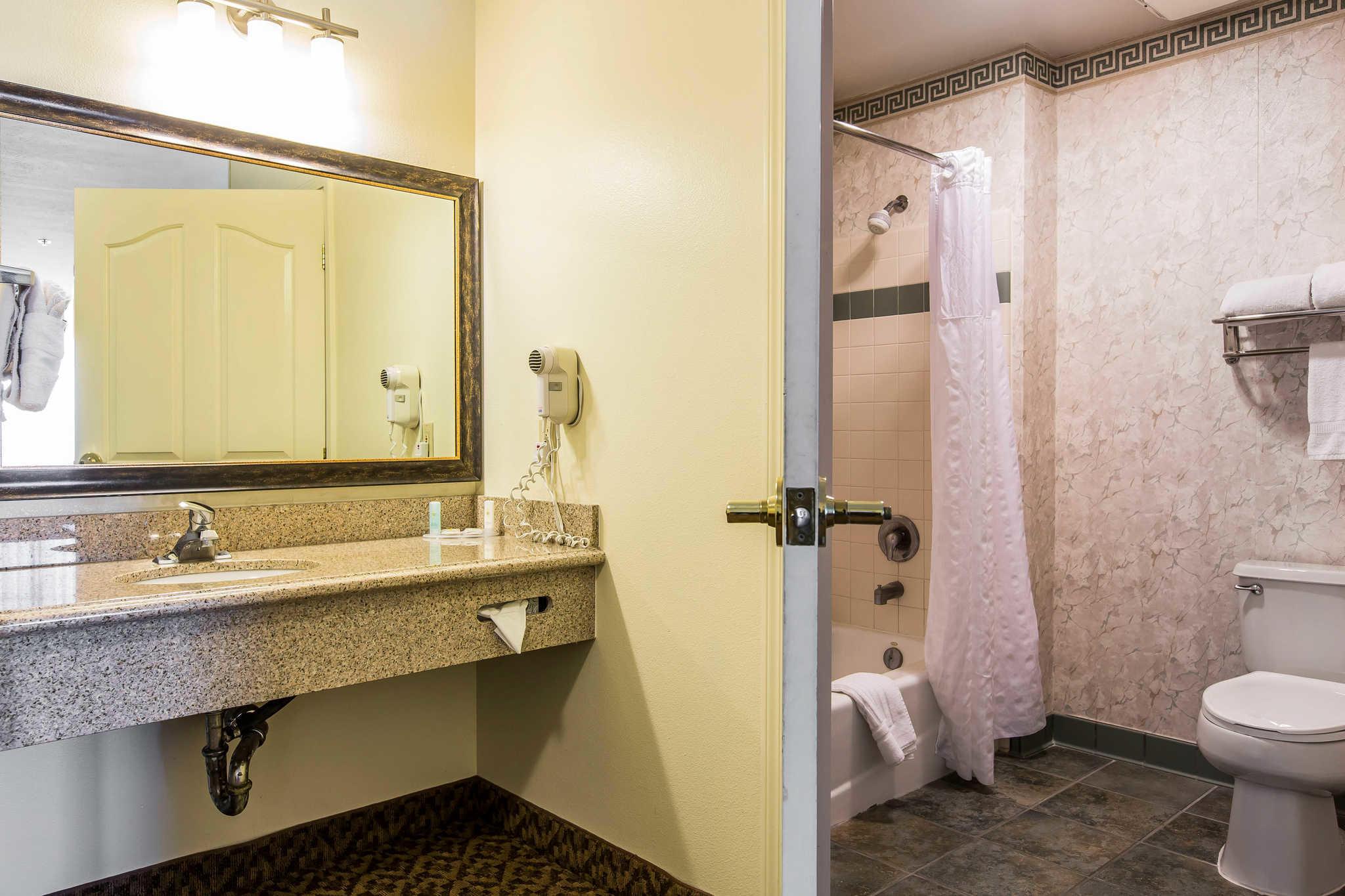 Comfort Inn & Suites El Centro I-8 image 7