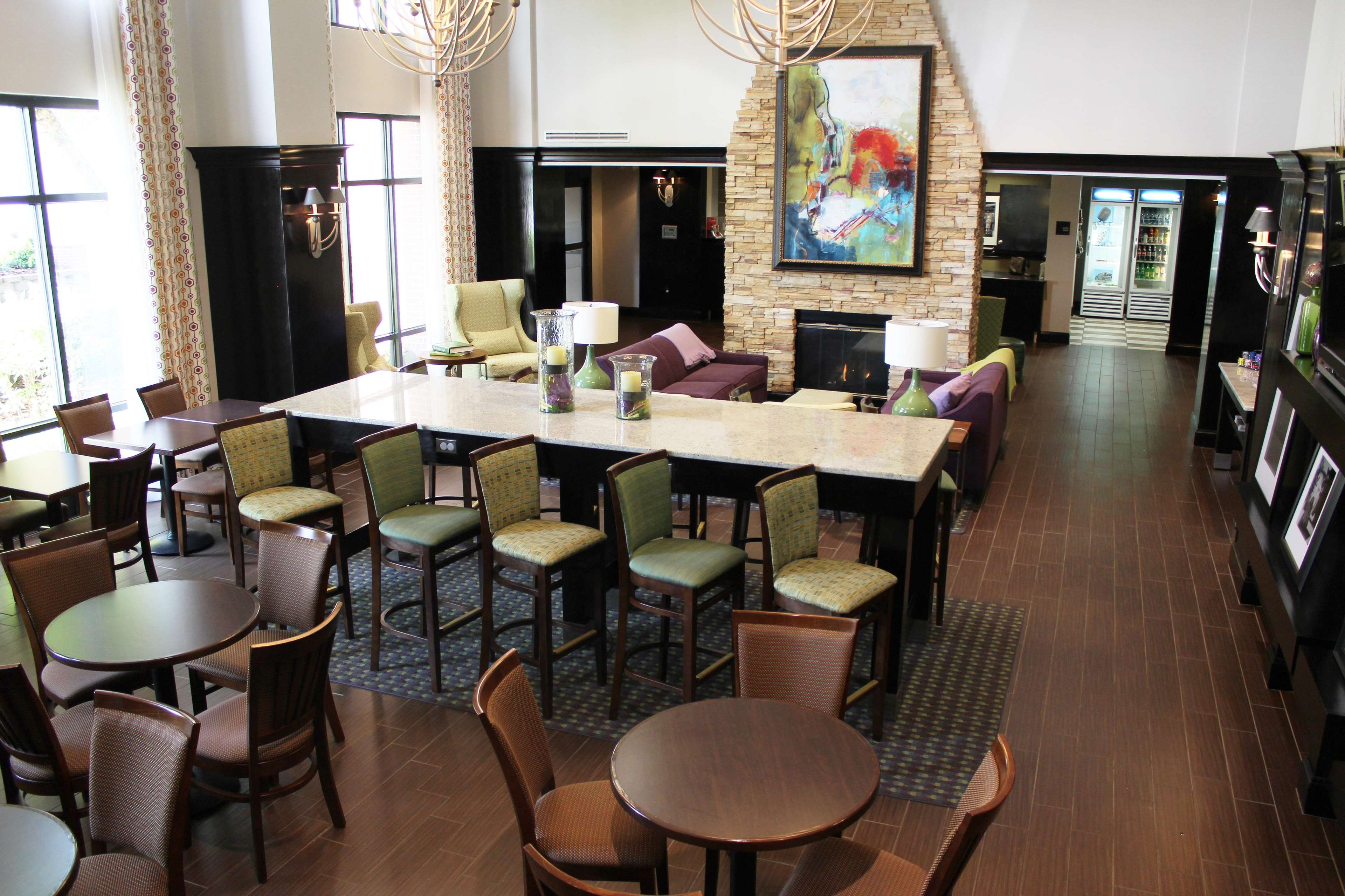 Hampton Inn & Suites Hazard image 2