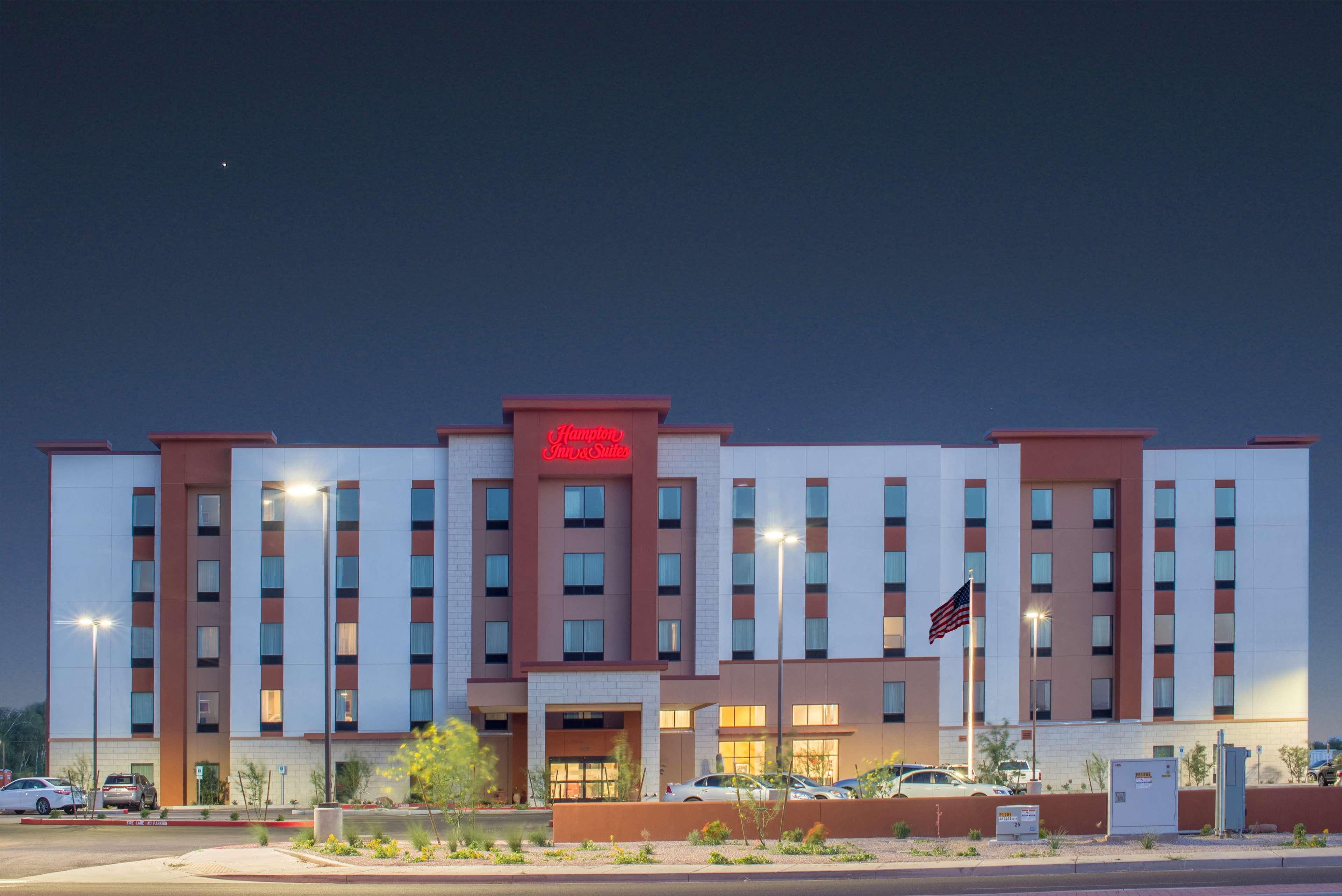 Hampton Inn & Suites Phoenix East Mesa image 2