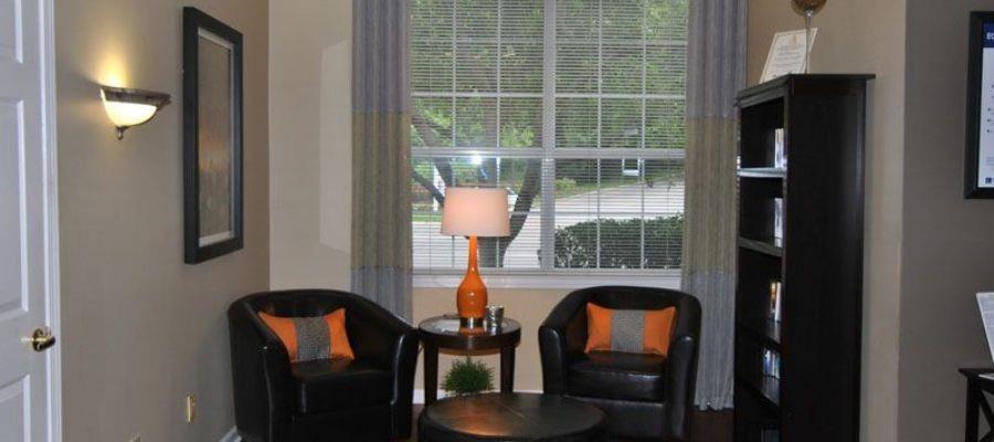 Wyndchase Bellevue Apartments image 1