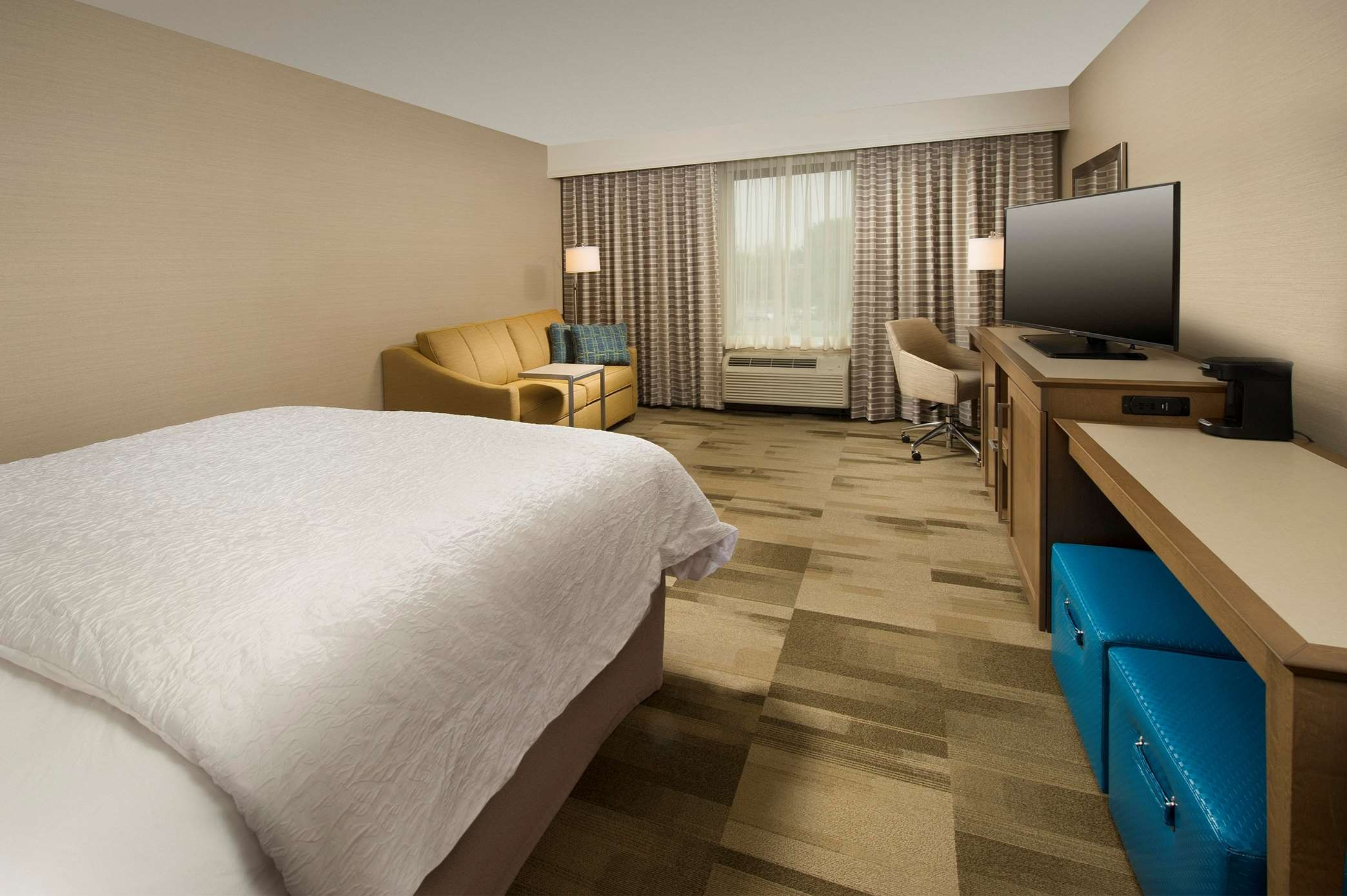 Hampton Inn & Suites Syracuse/Carrier Circle image 7