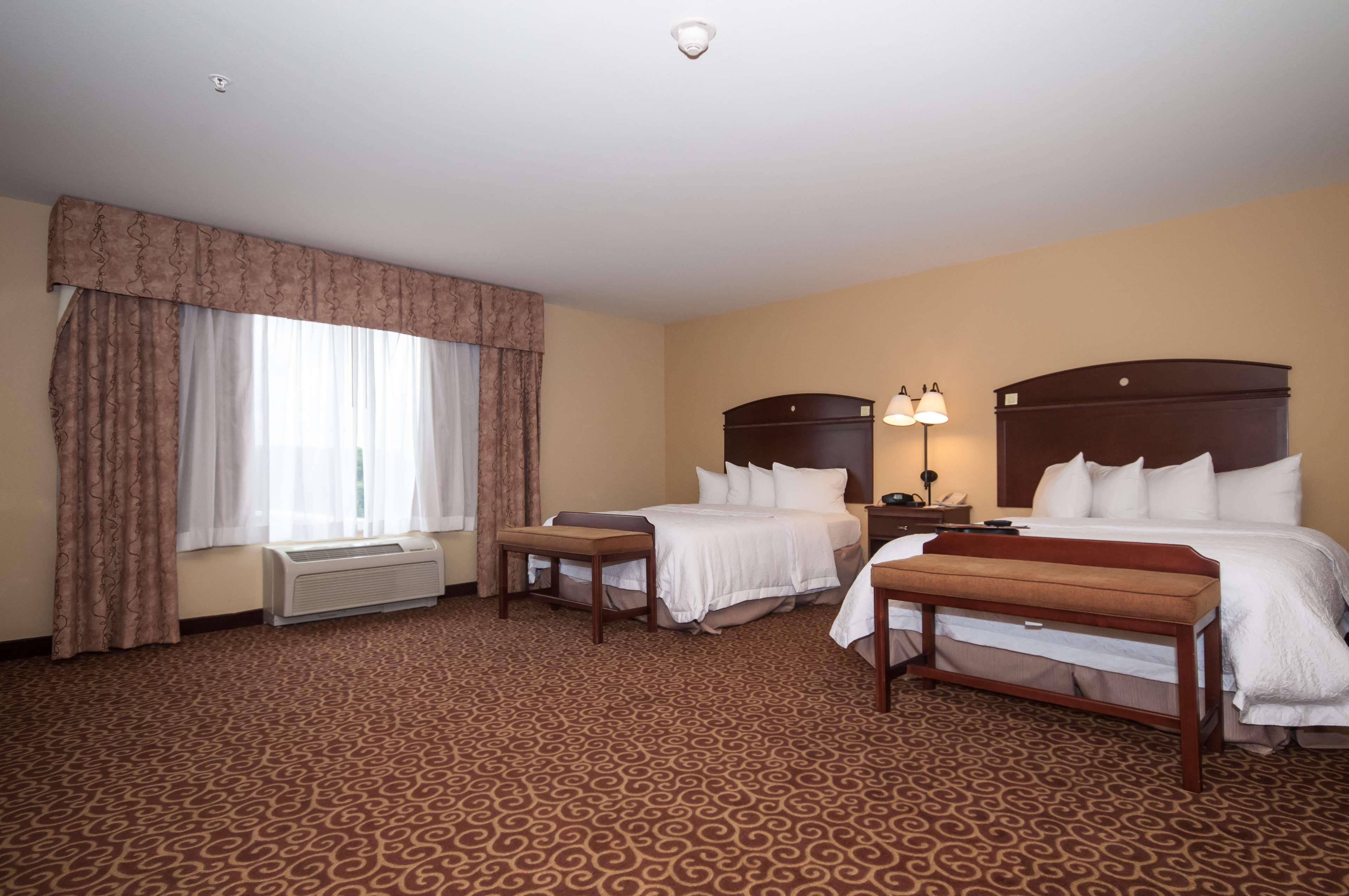 Hampton Inn & Suites Rochester-North image 20