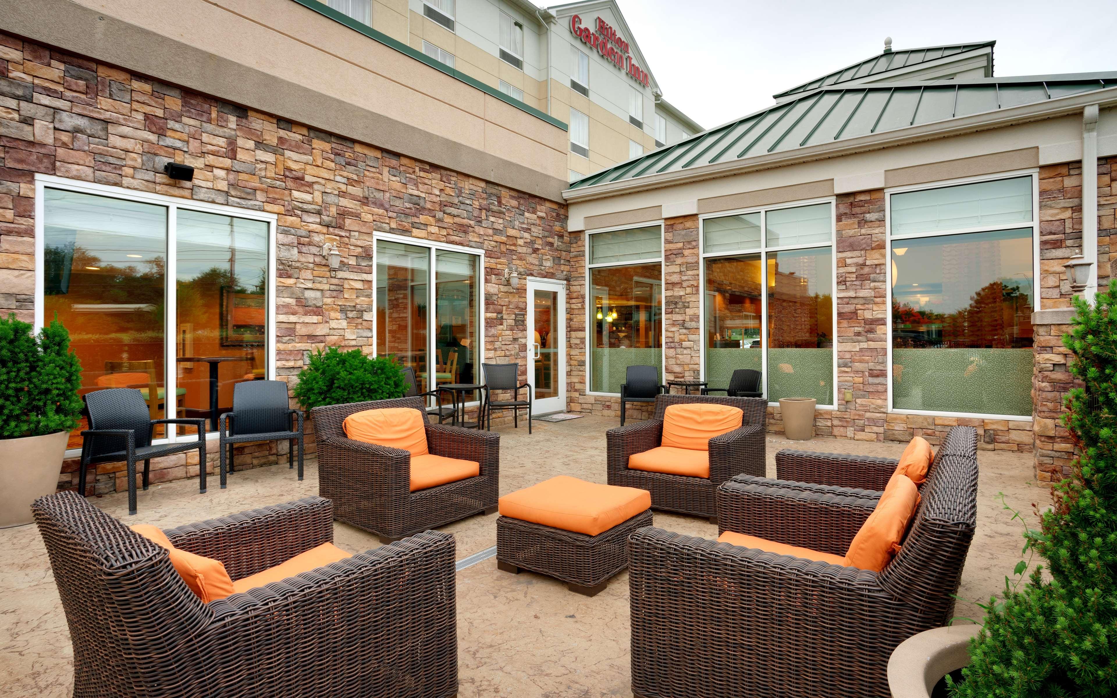 Hilton Garden Inn Clarksville image 1