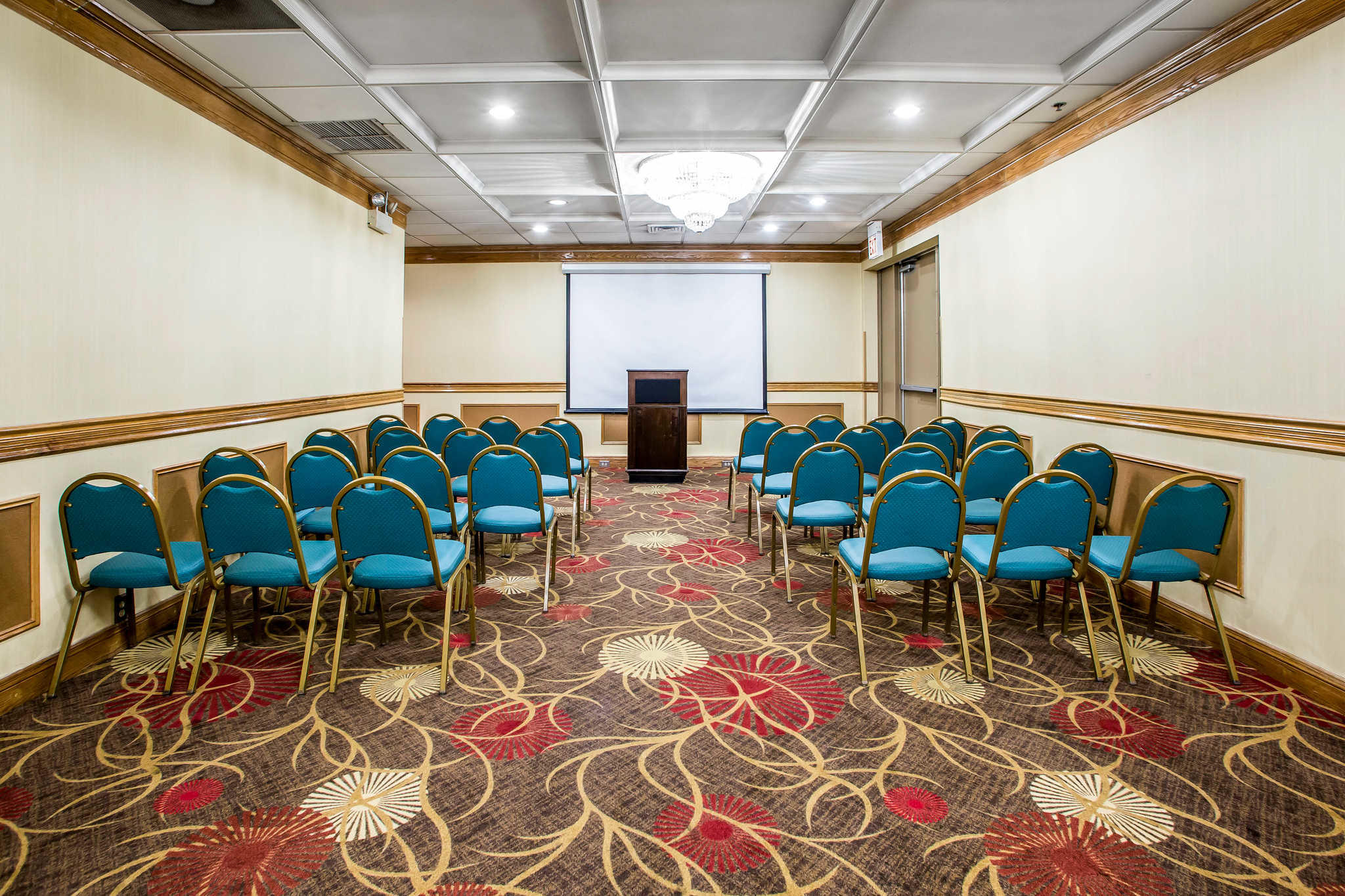 Quality Inn Midway Airport image 25