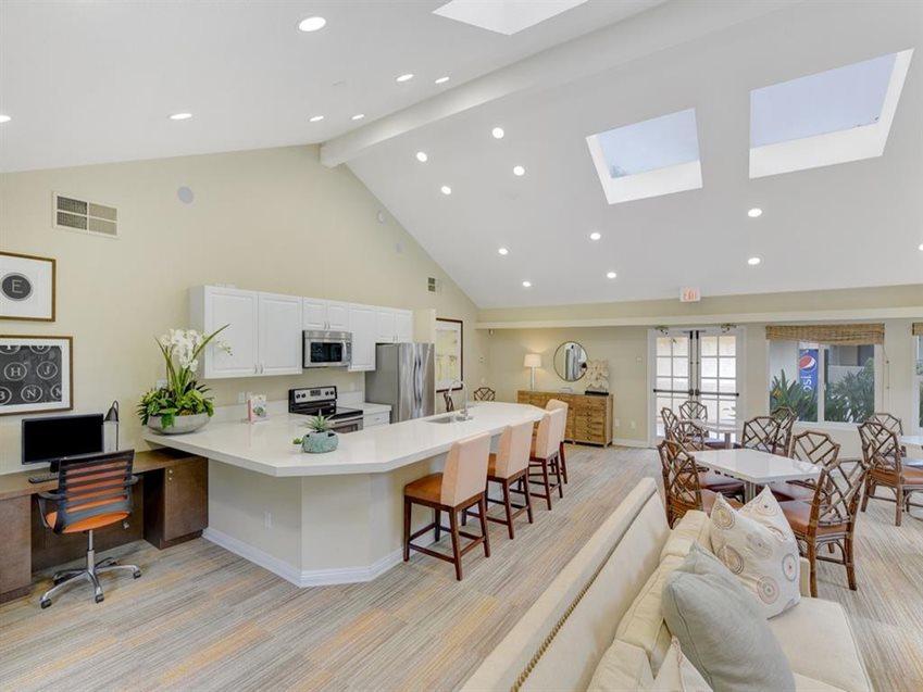 Emerald Glen Apartment Homes image 3
