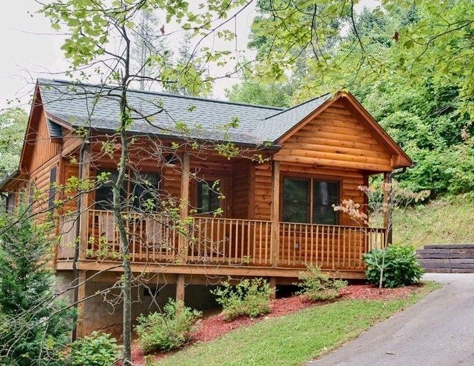 Heartland cabin rentals pigeon forge tennessee vacation for Gatlinburg cabins with fishing access