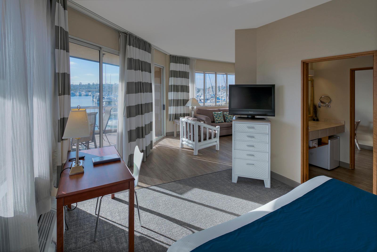 The Bay Club Hotel & Marina image 5