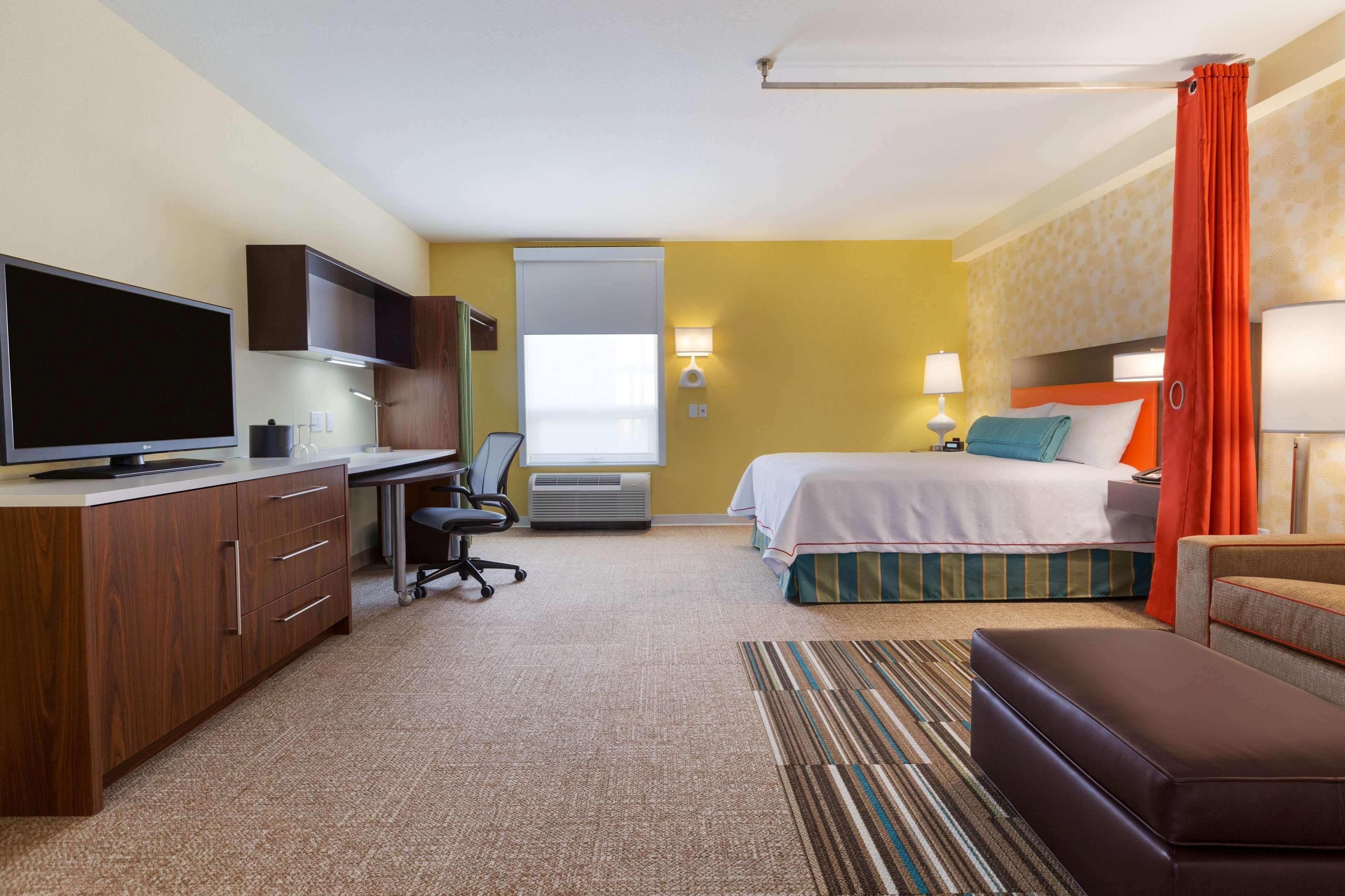 Home2 Suites by Hilton West Edmonton, Alberta, Canada à Edmonton: 1 Queen Accessible Studio Suite