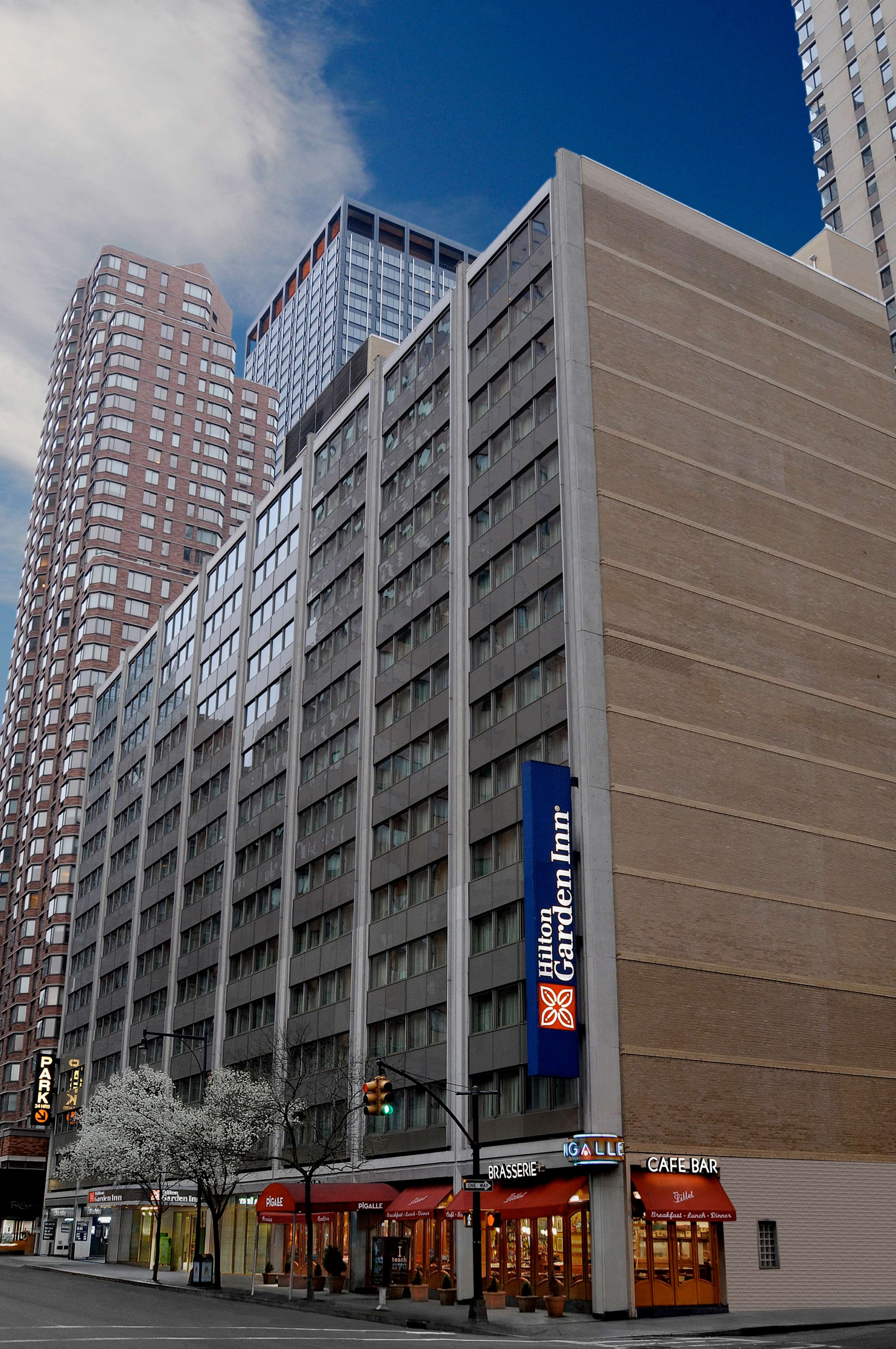 Hilton Garden Inn Times Square image 4
