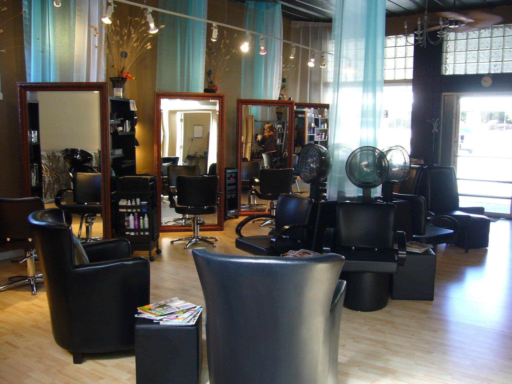 Station 336 Salon image 0