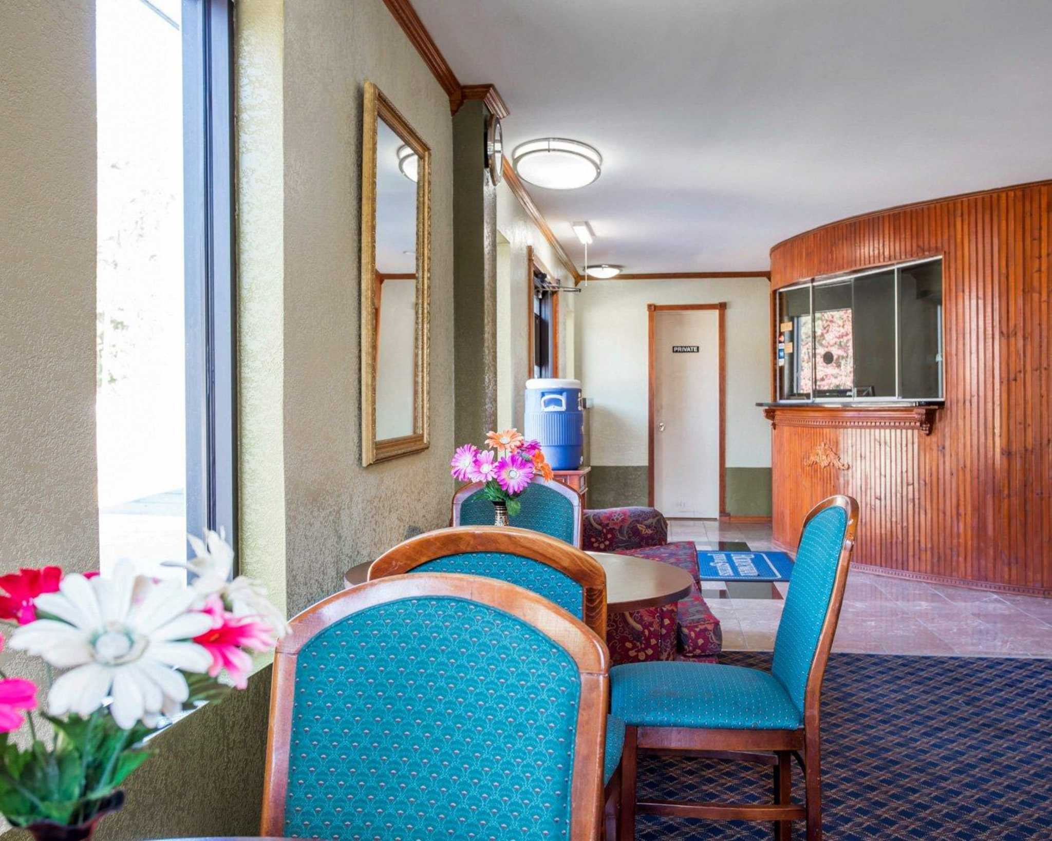 Rodeway Inn & Suites Fort Jackson image 21