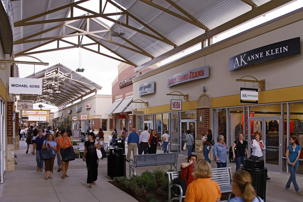 Houston Premium Outlets image 1