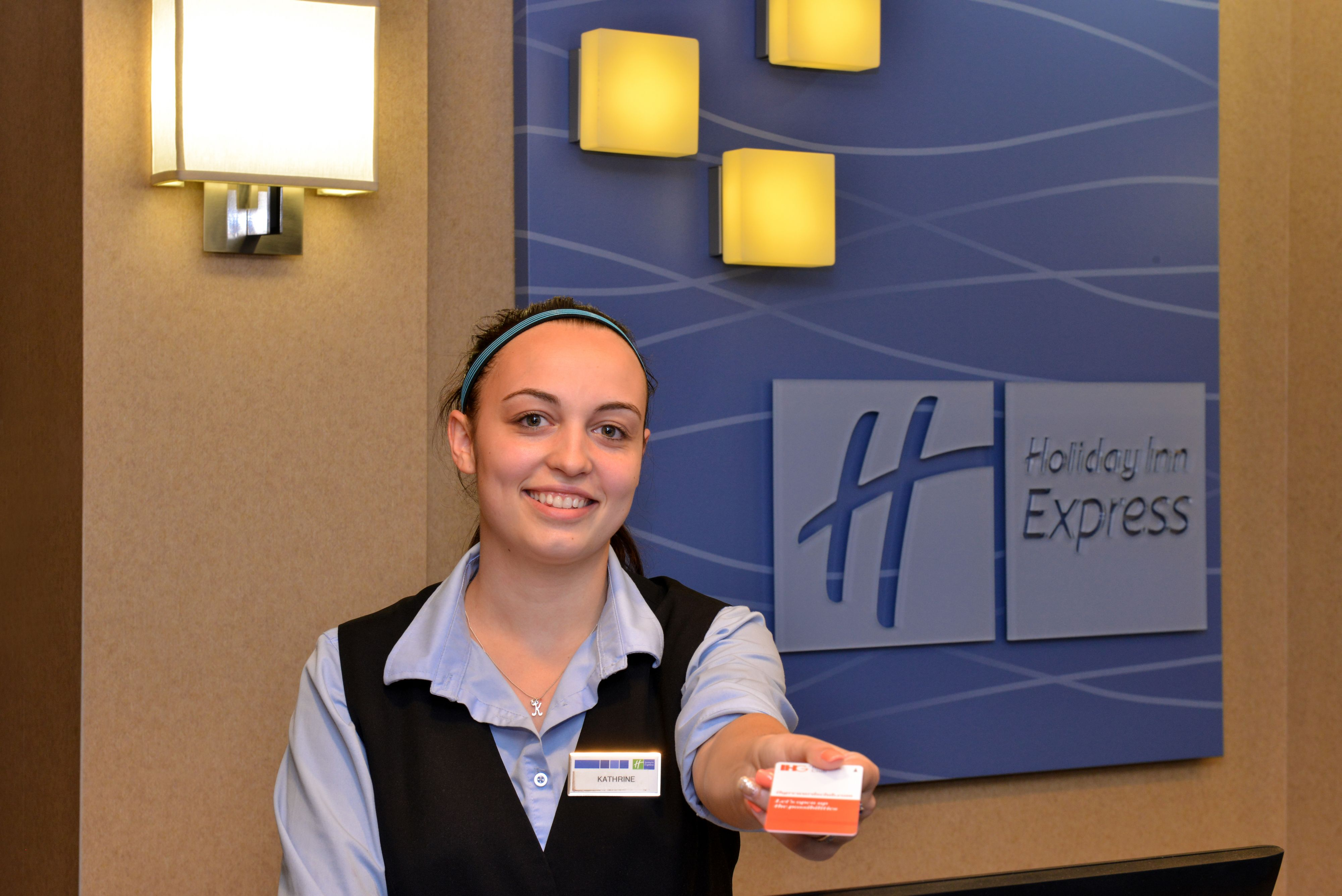 Holiday Inn Express & Suites Milwaukee-New Berlin image 7
