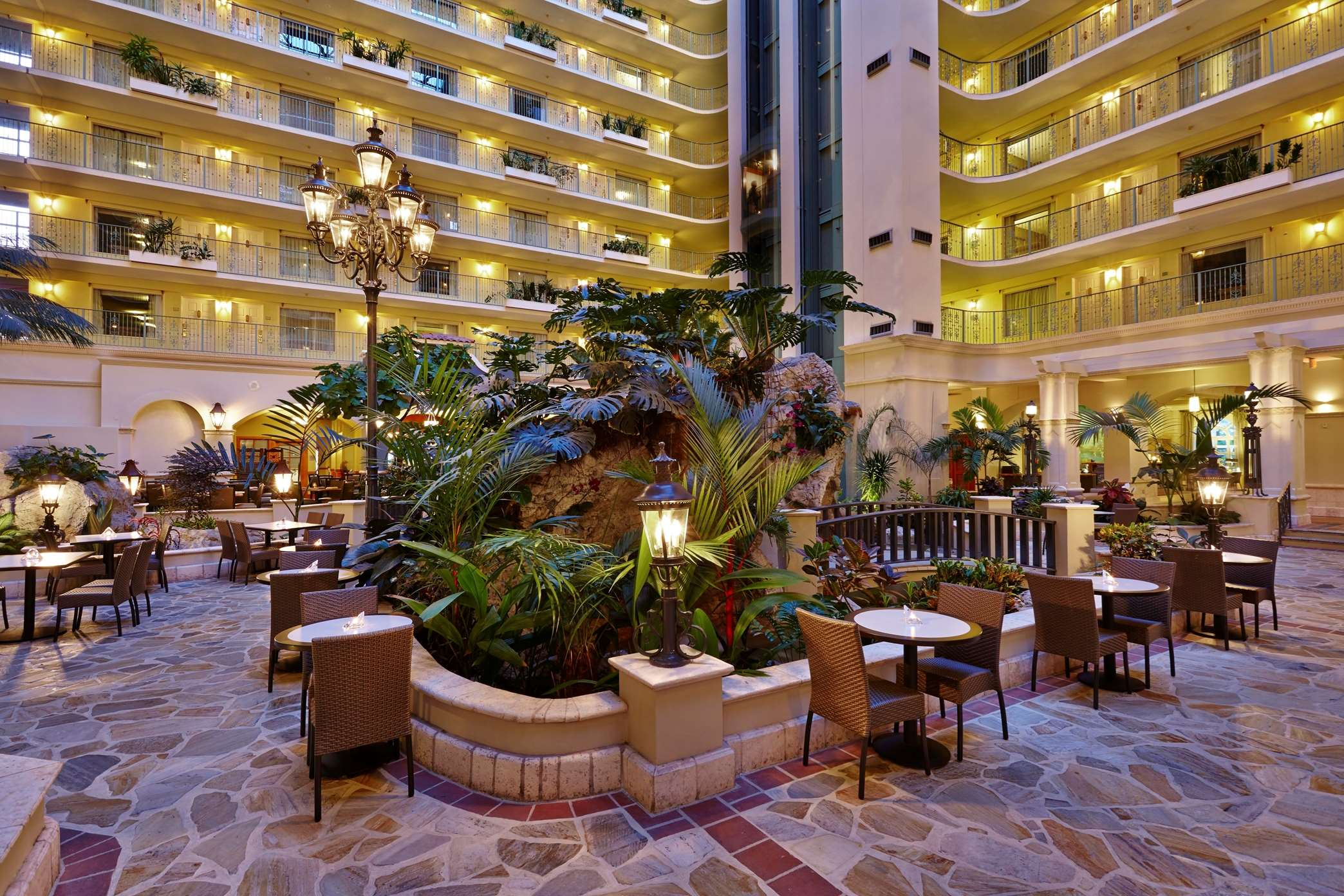 Embassy Suites by Hilton Fort Lauderdale 17th Street image 2