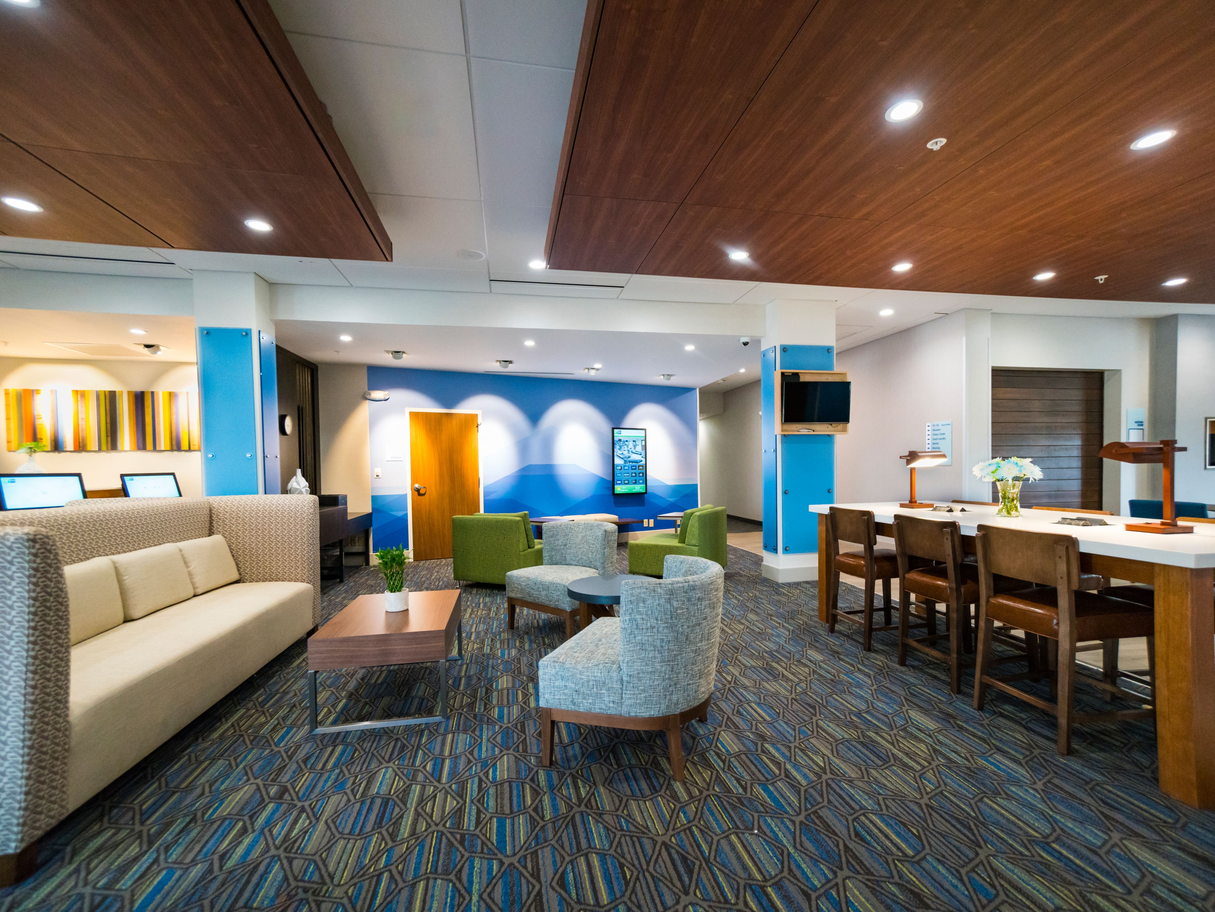 Holiday Inn Express & Suites Southaven Central - Memphis image 5