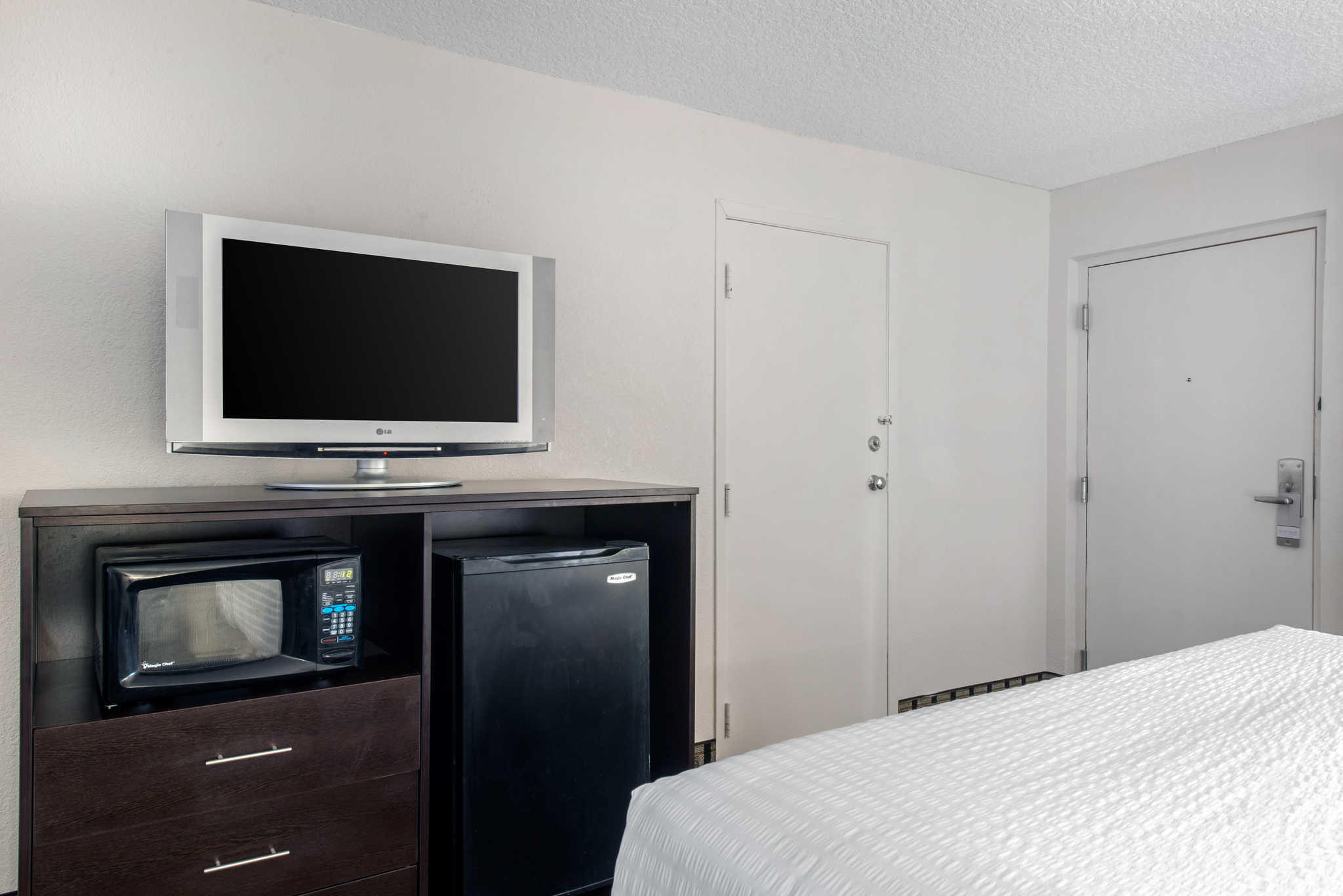 Clarion Inn & Suites Kissimmee-Lake Buena Vista South image 22