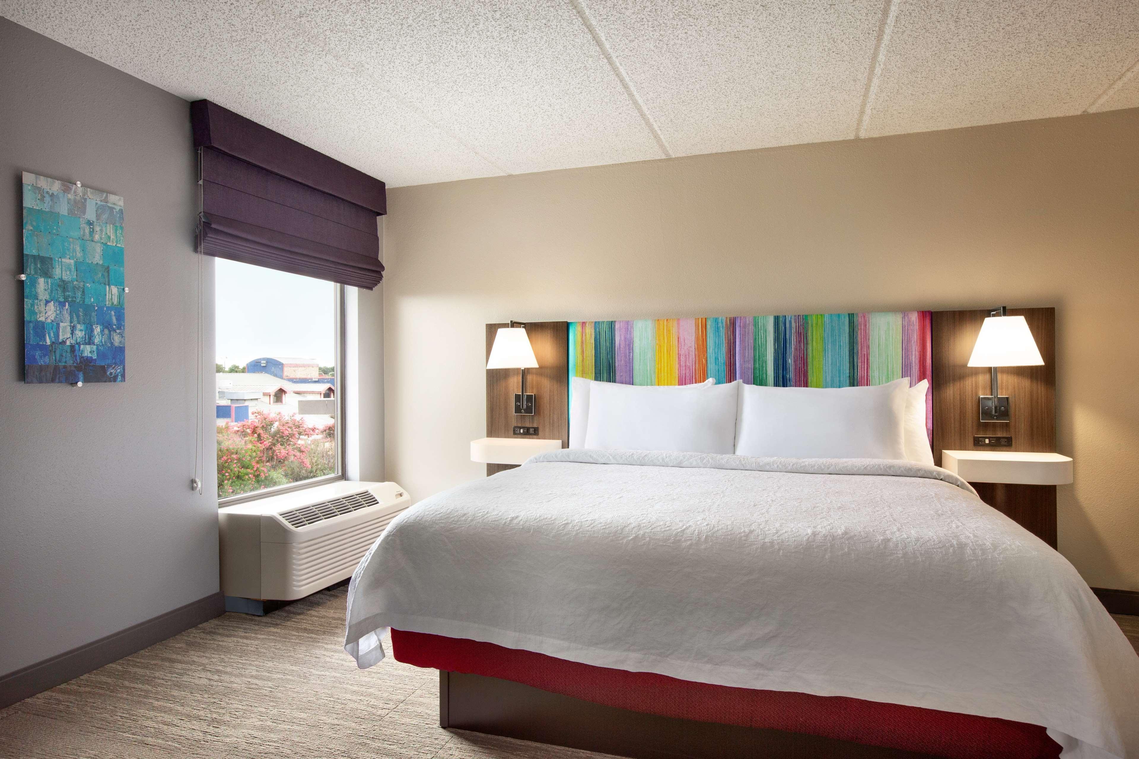 Hampton Inn Houston-Brookhollow image 8