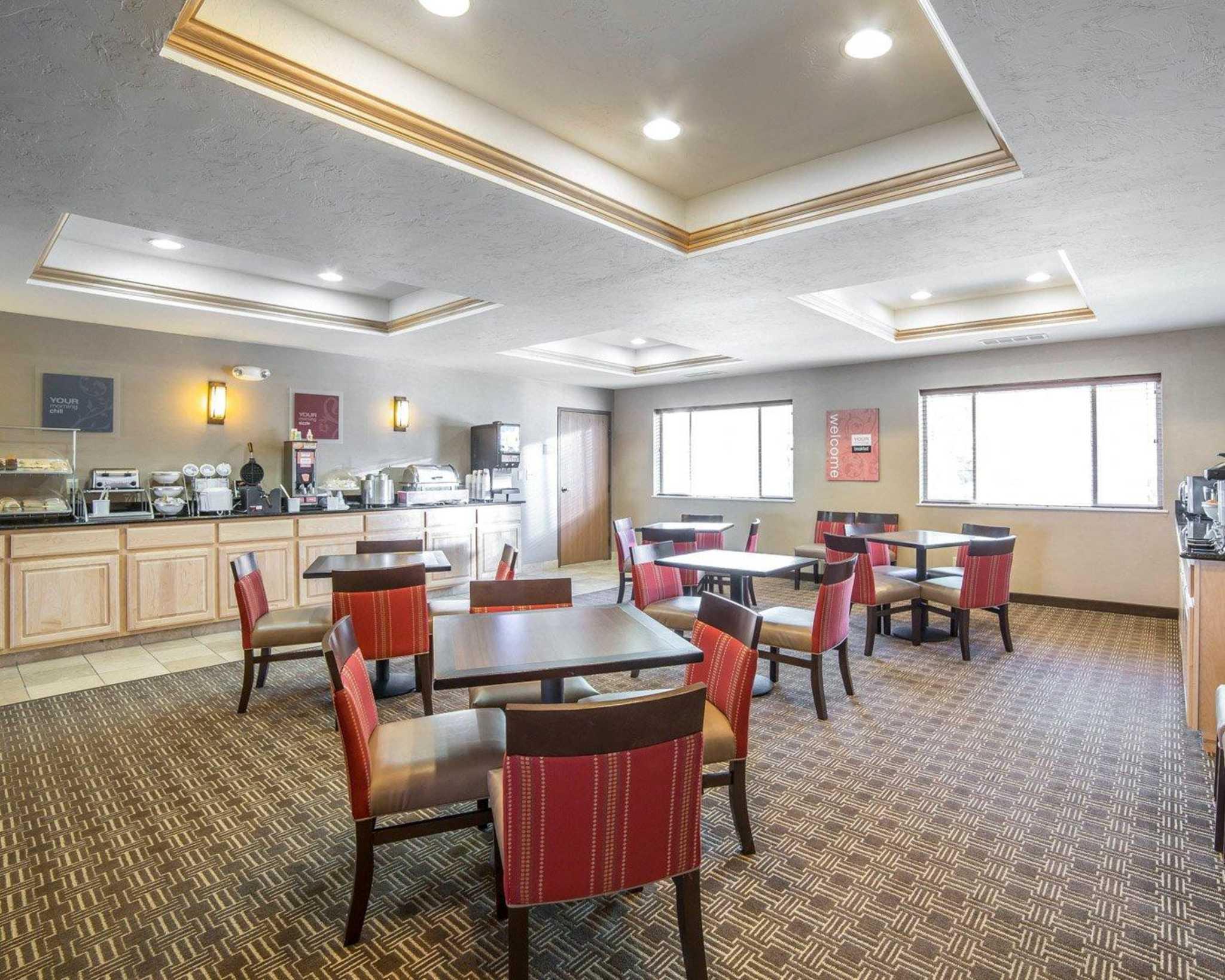 Comfort Inn Evansville-Casper image 32