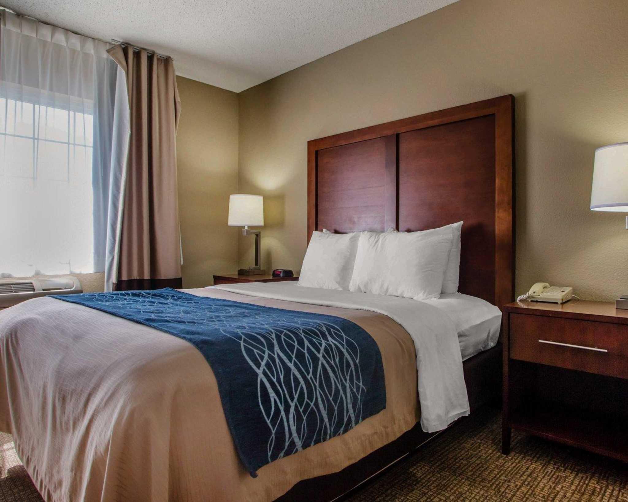 Comfort Inn & Suites Jackson - West Bend image 25