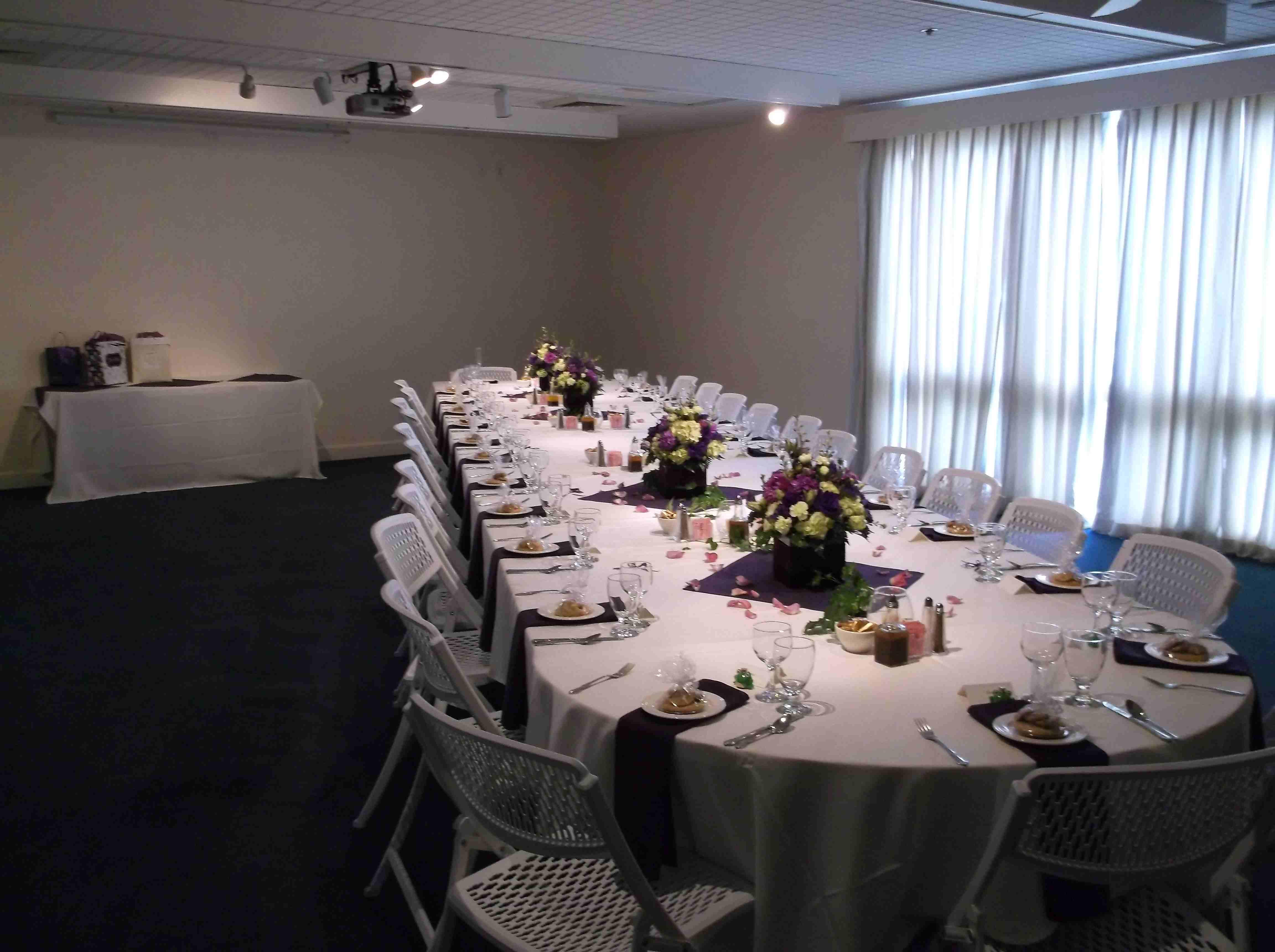 Chez Shari Banquet Facility image 36