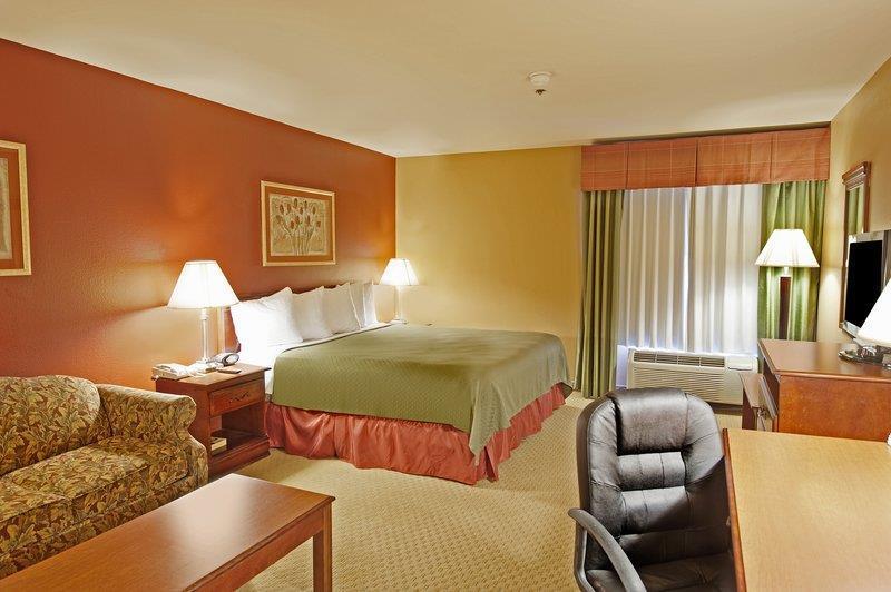 Best Western Plus Denton Inn & Suites image 41